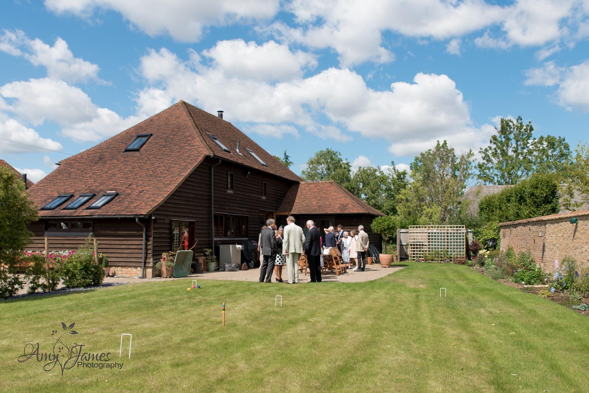 Hampshire wedding photograpgher // Fleet wedding photogapher / countryside wedding