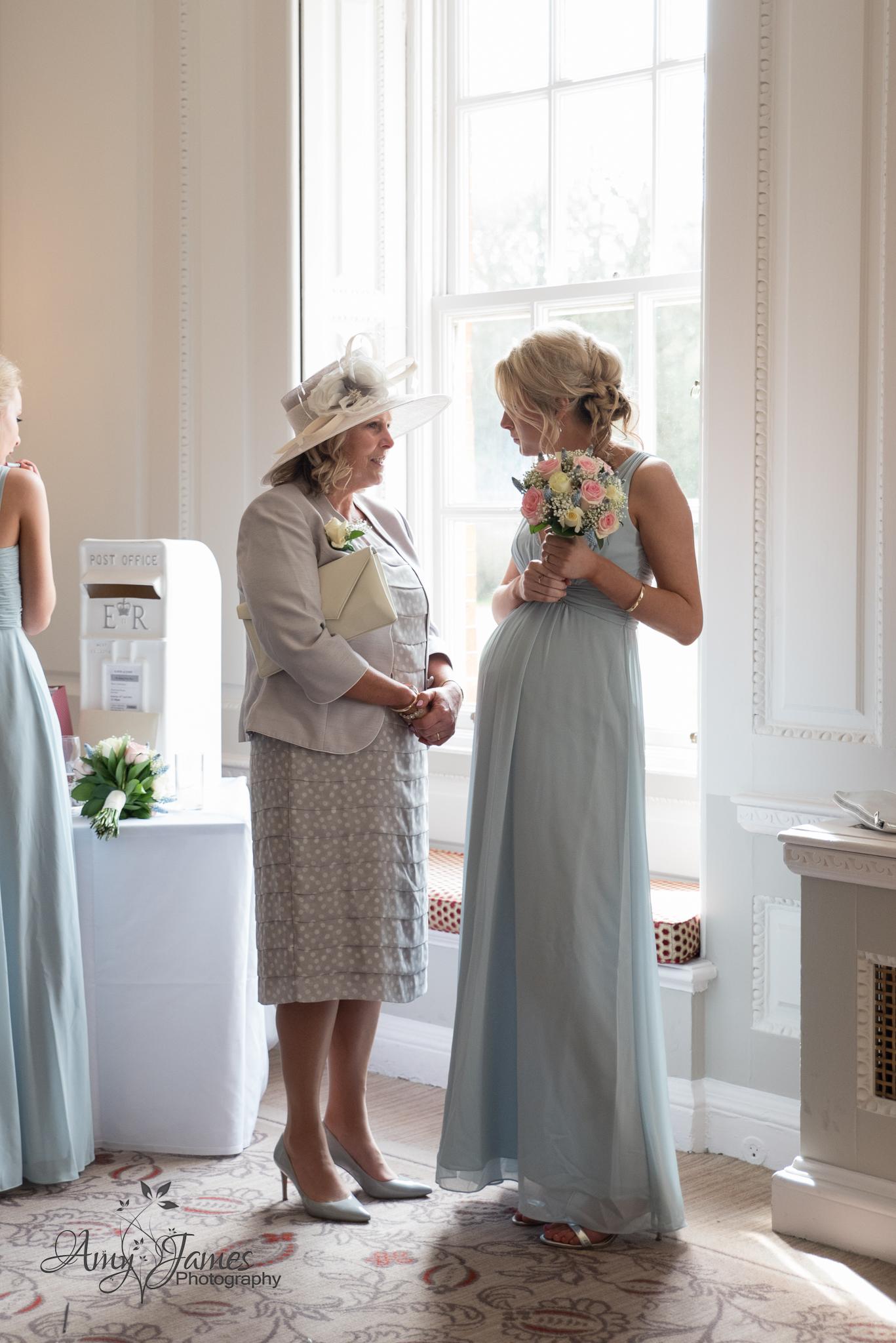 Hampshire wedding photographer / Warbrook House wedding photographer / Fleet wedding photographer / Aldershot garrison wedding