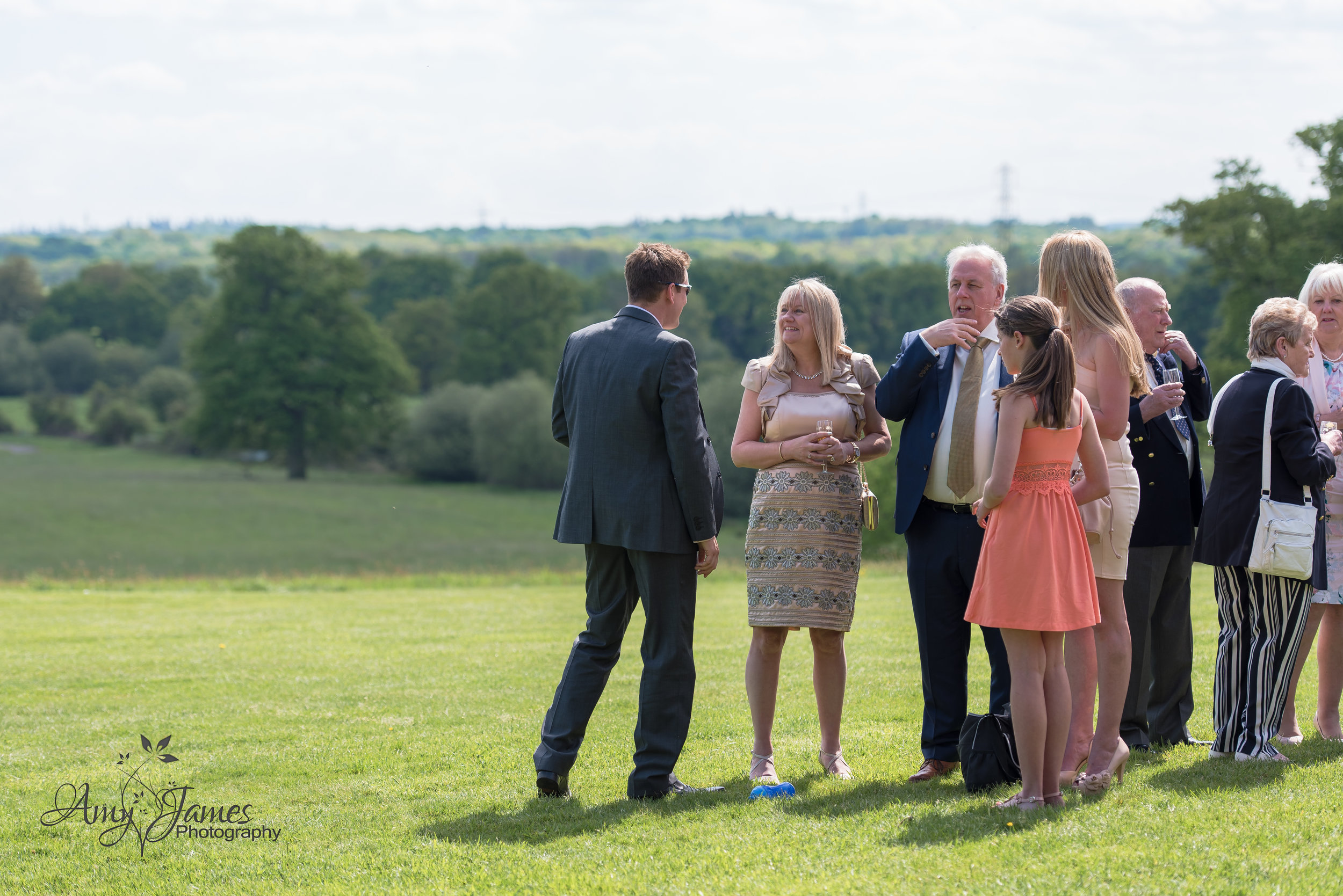 Highfield Park wedding venue | Hampshire wedding photographer | Amy James Photography Fleet wedding photographer | UK outdoor wedding venue