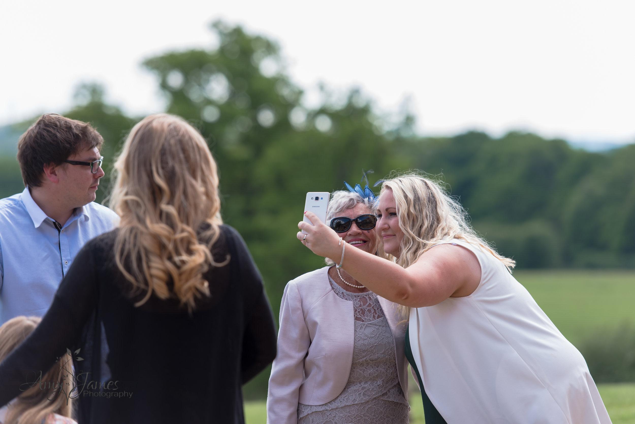 Highfield Park Wedding photographer | Hampshire wedding photographer | Fleet wedding photographer | UK outdoor wedding venue