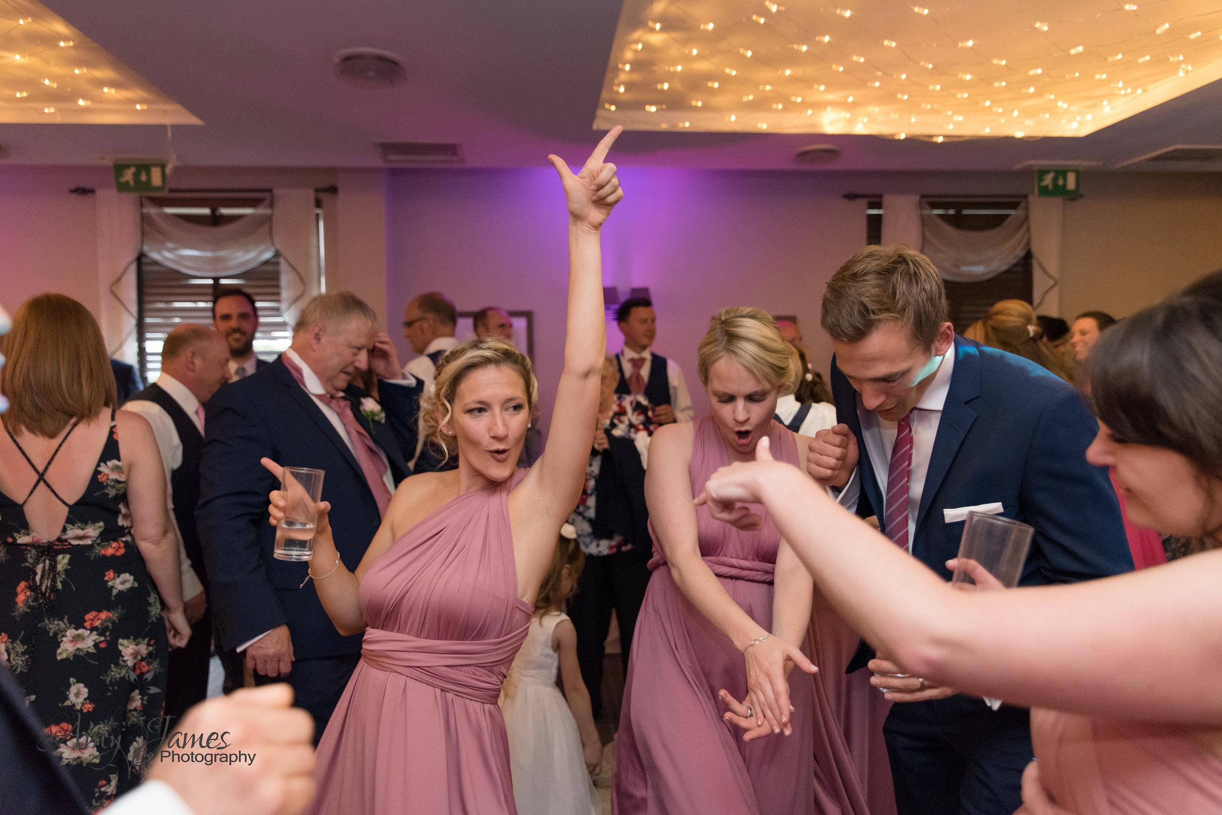 Hampshire wedding photographer | Fleet wedding photgrapher