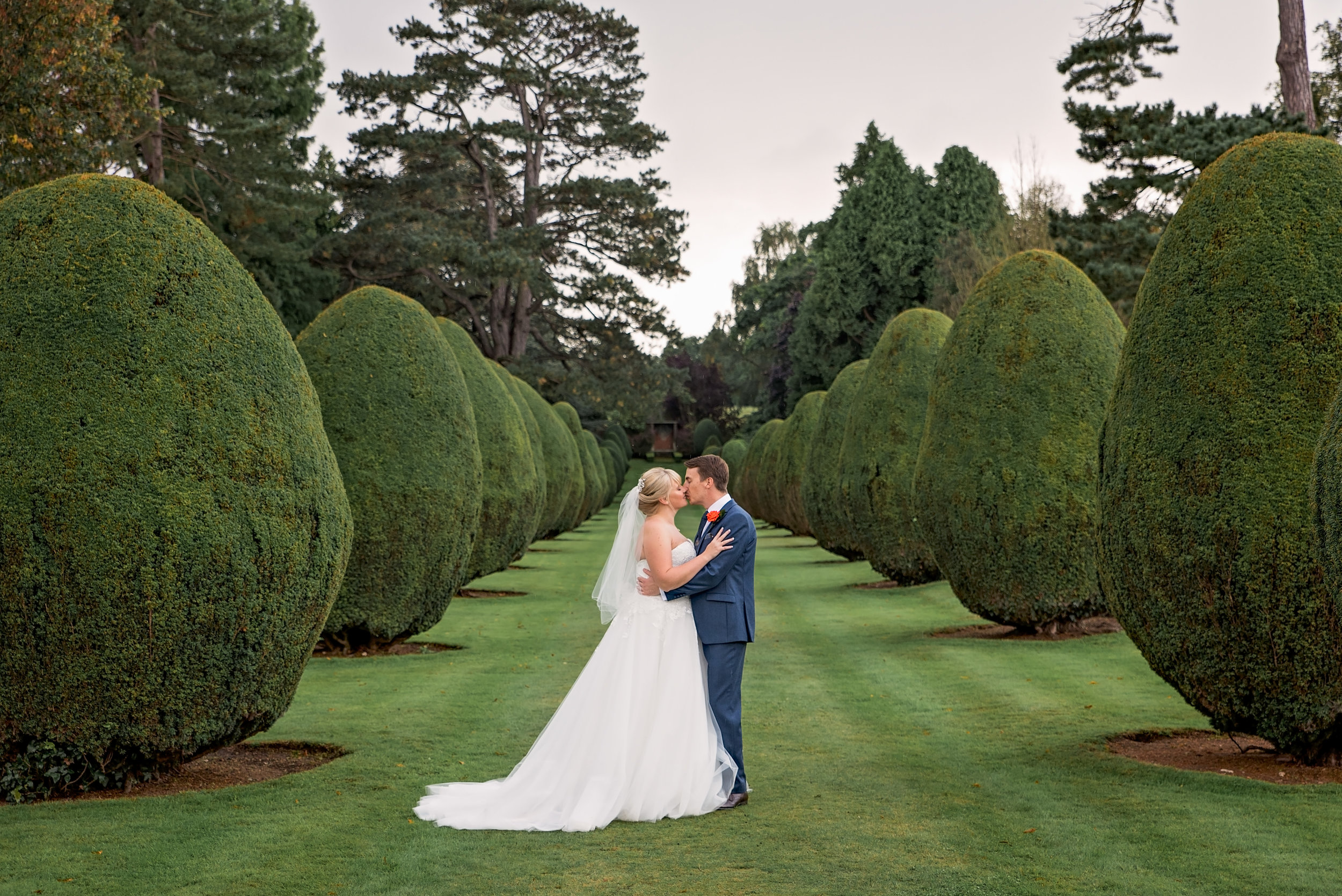 Amy-James-photography-The-Elvetham-Wedding-Hampshire-wedding-venue-Hampshire-wedding-photographer=Fleet-wedding-photographer