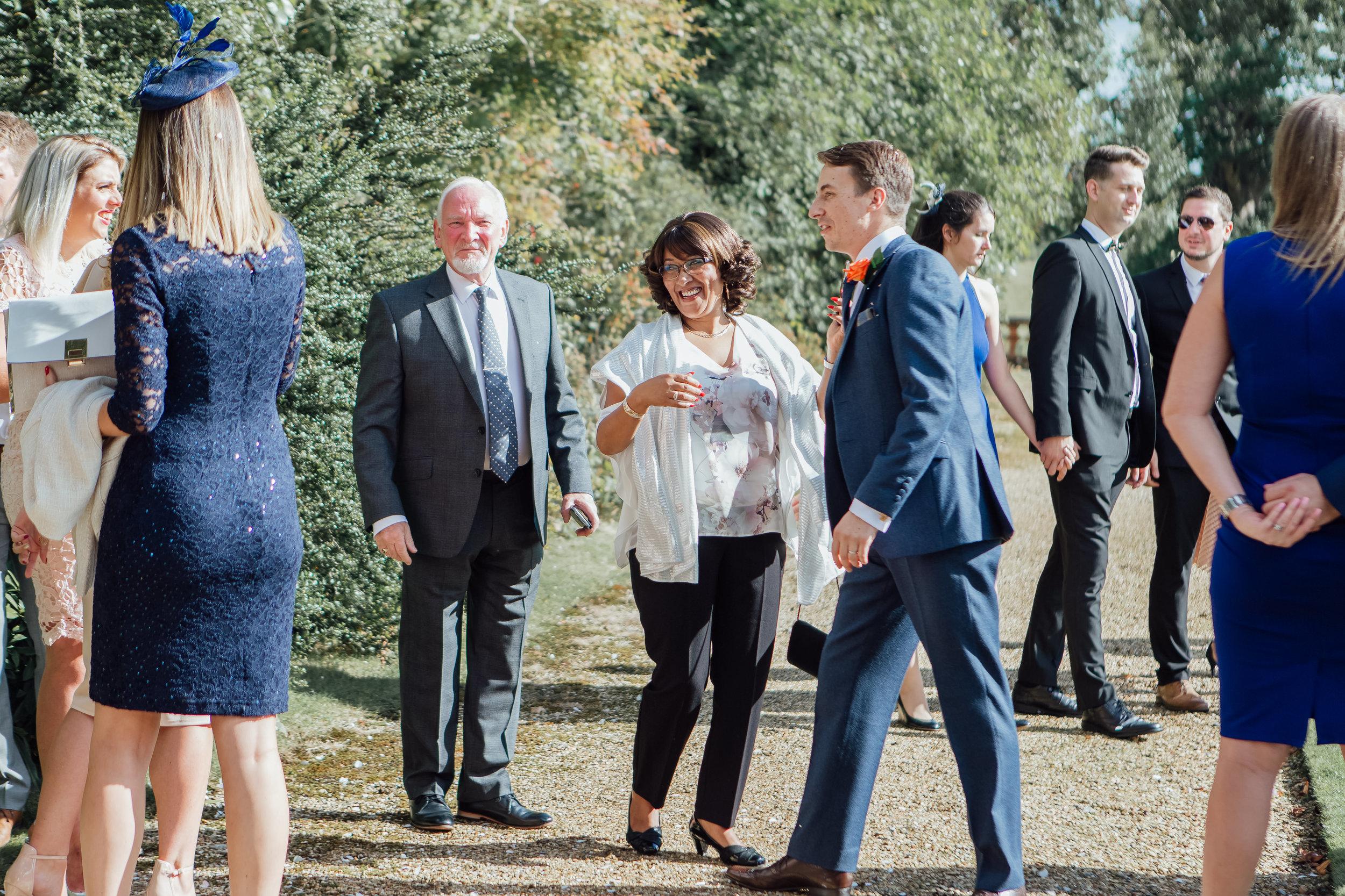 Candid wedding guest photographs - documentary wedding photographer - Amy James photography - Hampshire wedding photographer