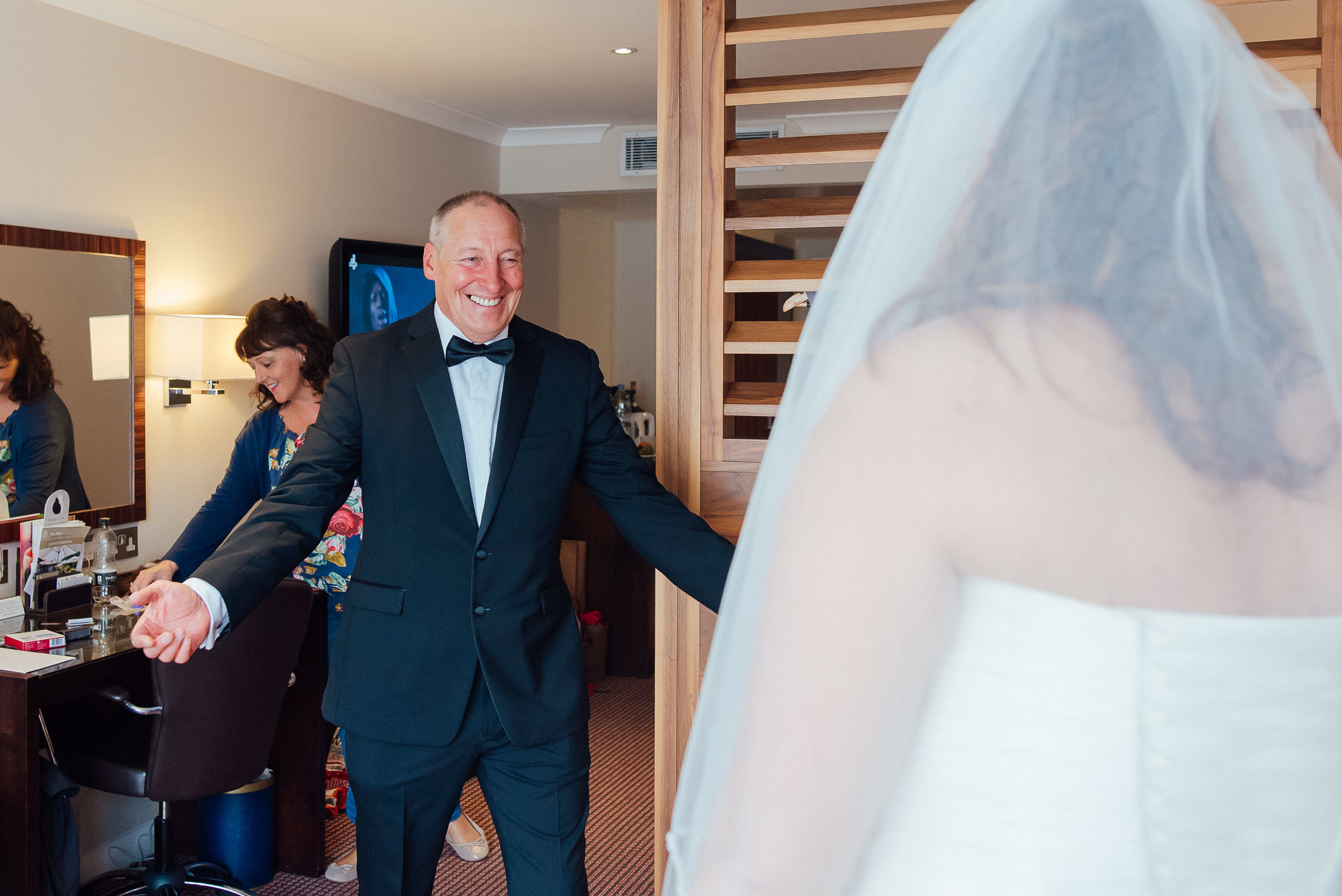 Heatherden hall wedding at Pinewood Studios - Amy James photography - Wedding photographer Hampshire - Documentary wedding photographer hampshire Surrey Berkshire