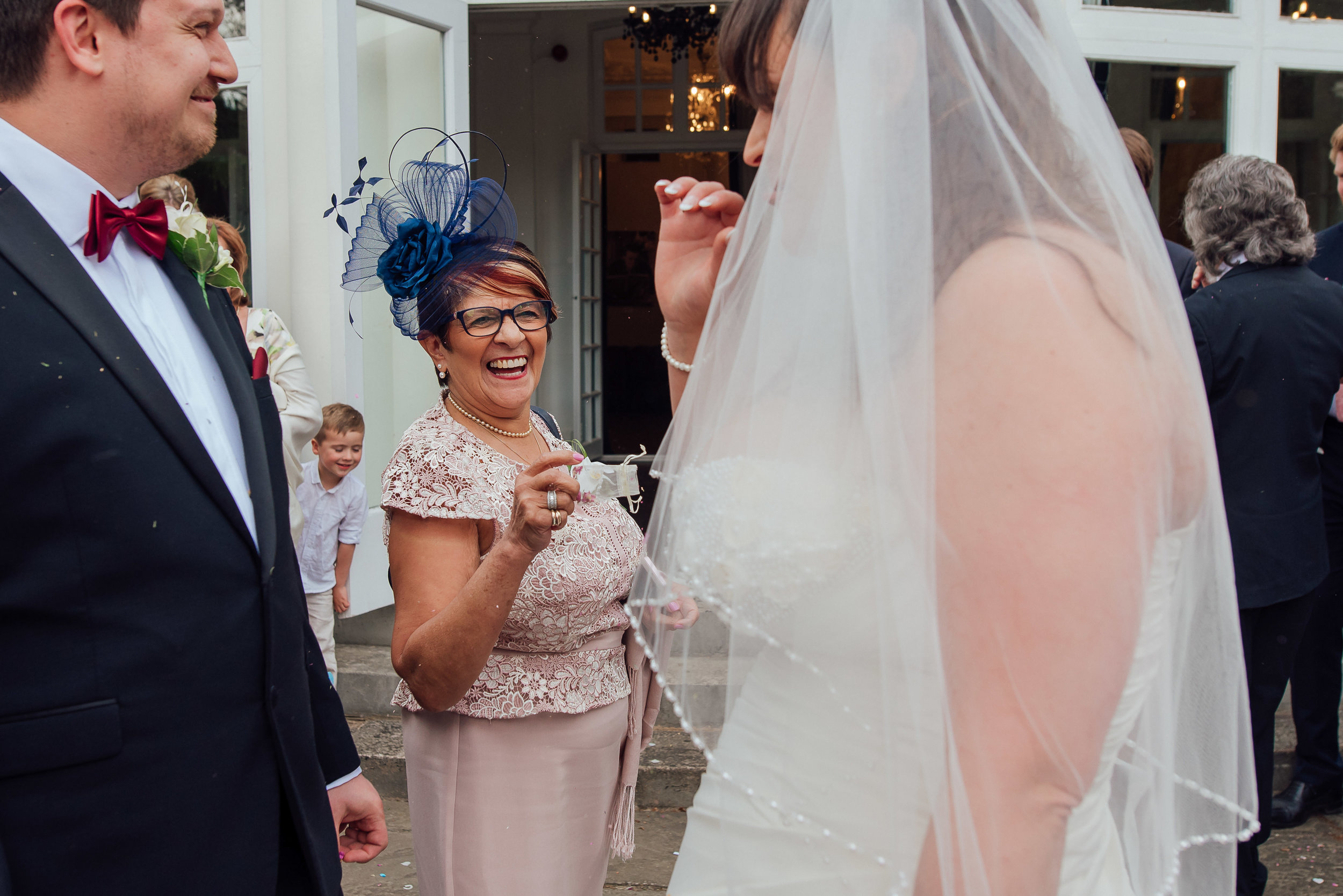 Drinks reception at Heatherden Hall wedding at Pinewood Park - Amy James Photography - Hampshire Wedding Photographer