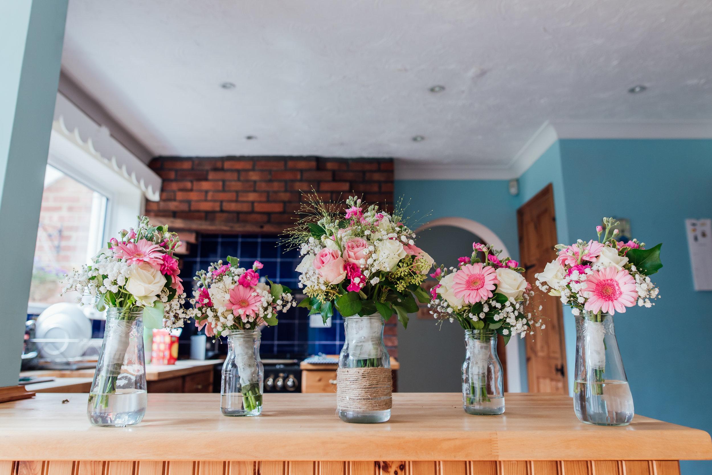 hampshire-wedding-photographer / Amy-james-photography / Hampshire-village-hall-wedding / village-hall-wedding / wedding-photographer-hampshire-surrey-berkshire / rotherwick-village-hall-wedding / Fleet -wedding-photographer / bridal-flowers / rustic-bridal-flowers