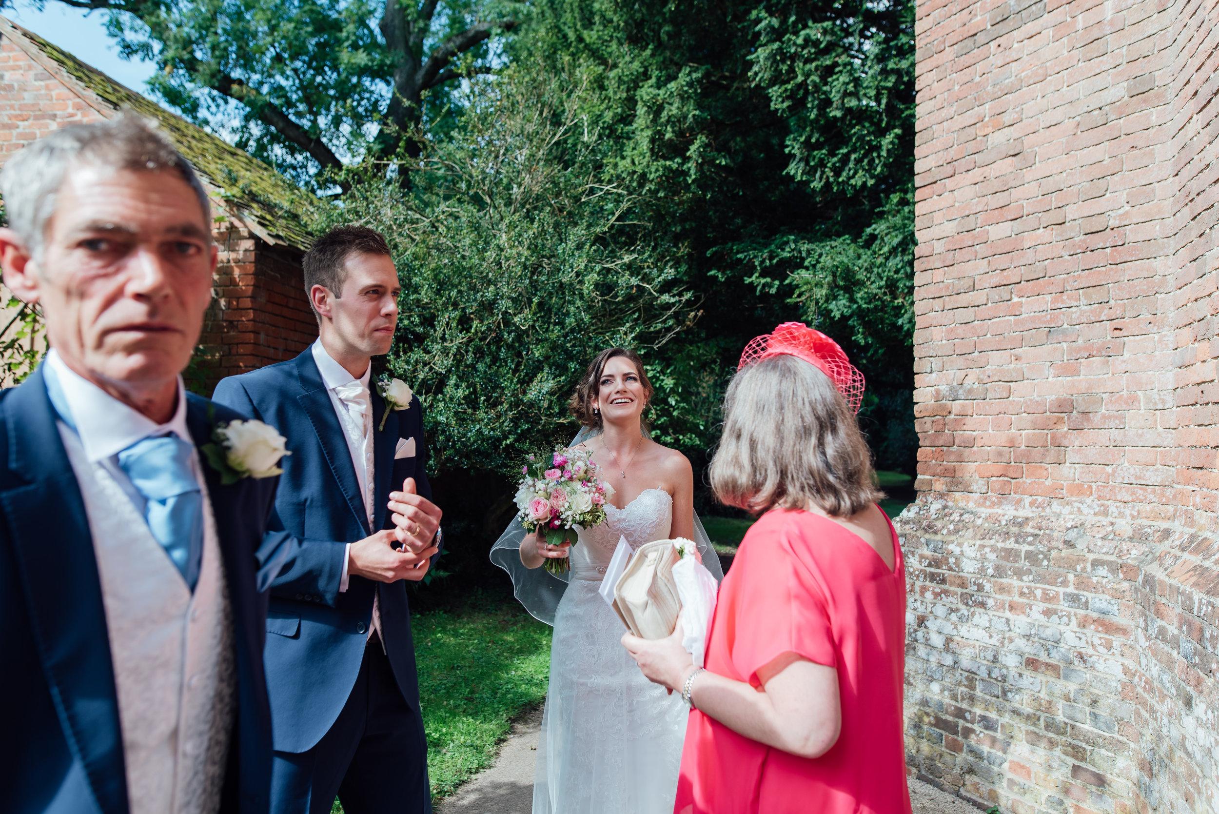 rotherwick-villgae-hall-wedding / Hampshire-village-hall-wedding / Amy-james-photography