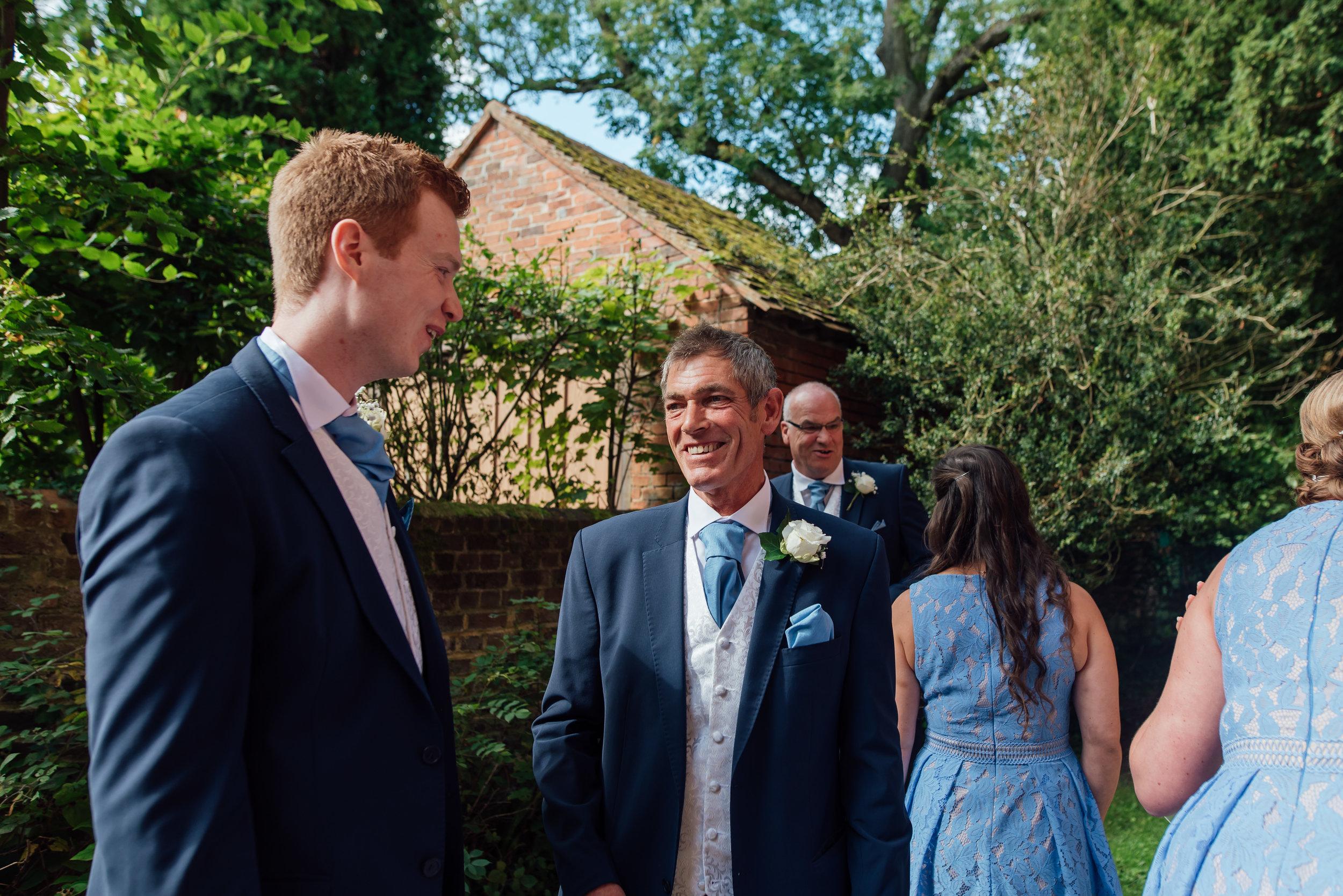 wedding-photographer-hampshire / rotherwick-village-hall-wedding-hampshire / Amy-james-photogaphy