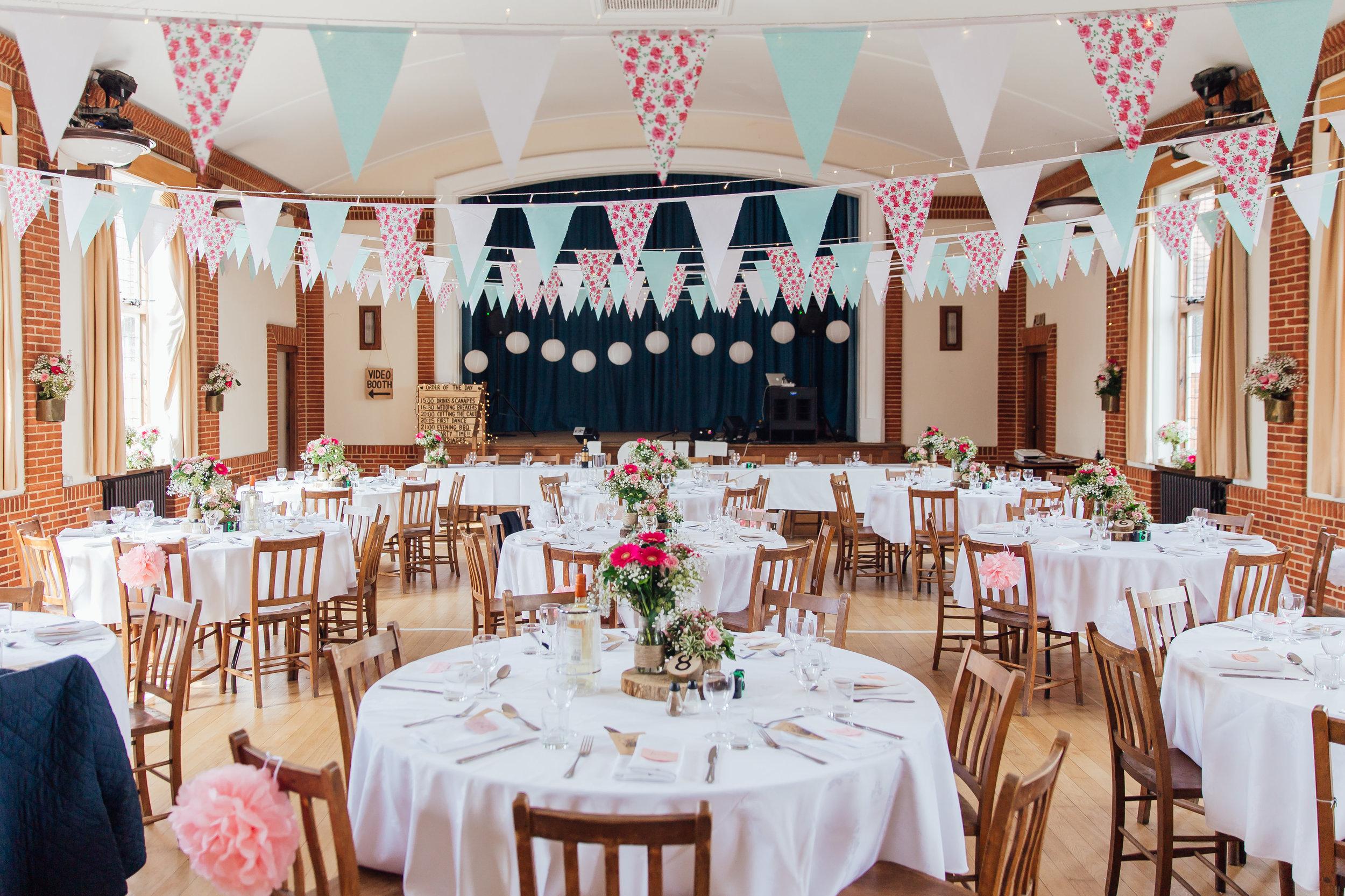 Hampshire-wedding-photographer : hampshire-village-hall-wedding : rotherwick-village-hall-wedding : wedding-photographer-hampshire : amy-james-photography : natural-wedding-photographer-hampshire : wedding-photographer-hampshire-475.jpg