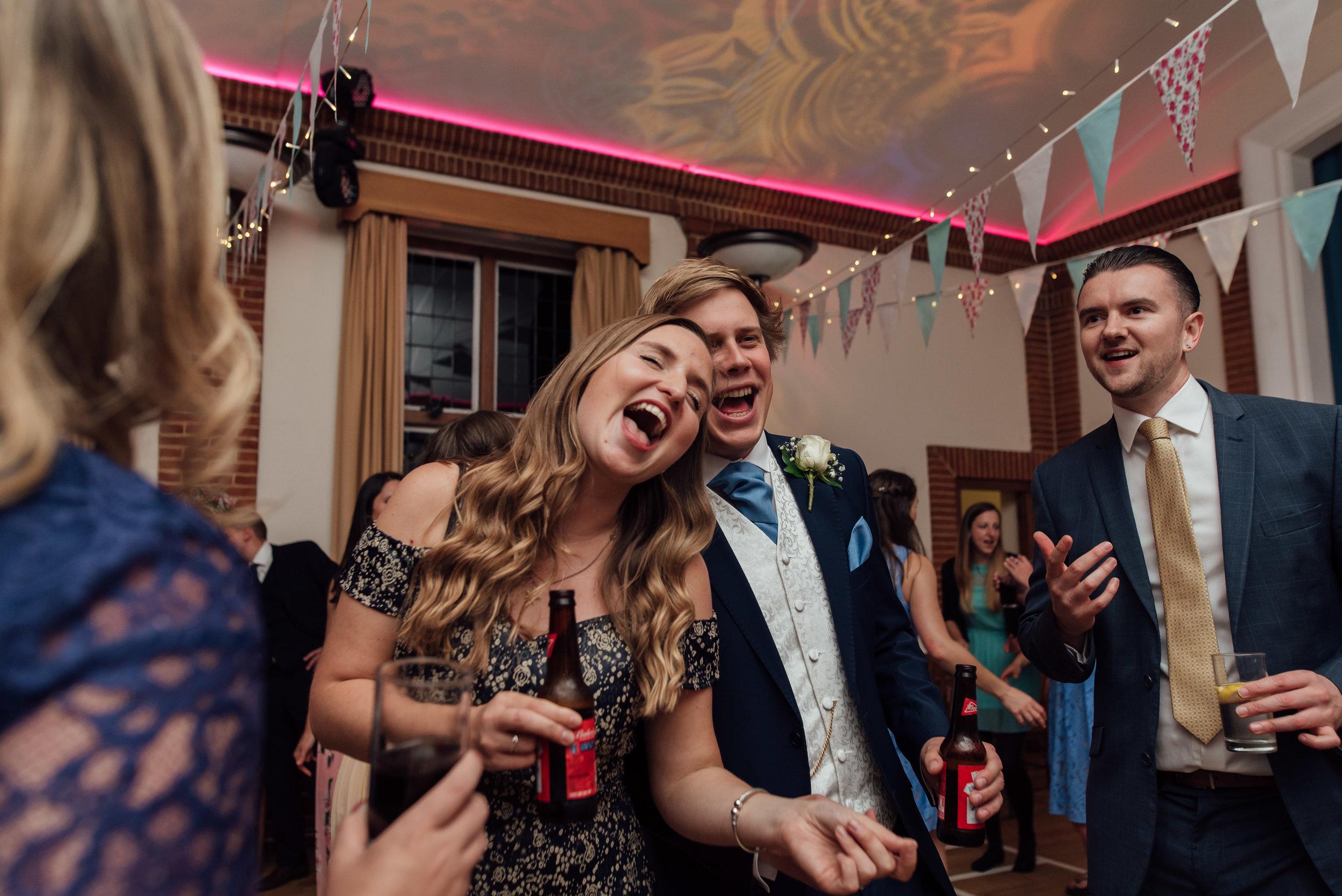 wedding-dancing-rotherwick-village-hall-wedding-hampshire / Amy-james-photography / Hampshire-wedding-photographer-hampshire / Amy-james-photography