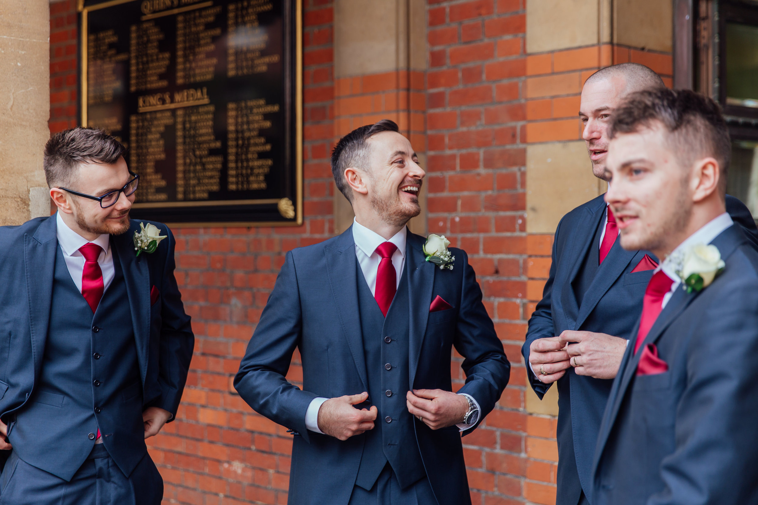 groom-getting-ready-at-welling-college-berkshire-wedding / Amy-james-photography / hampshire-wedding-photographer