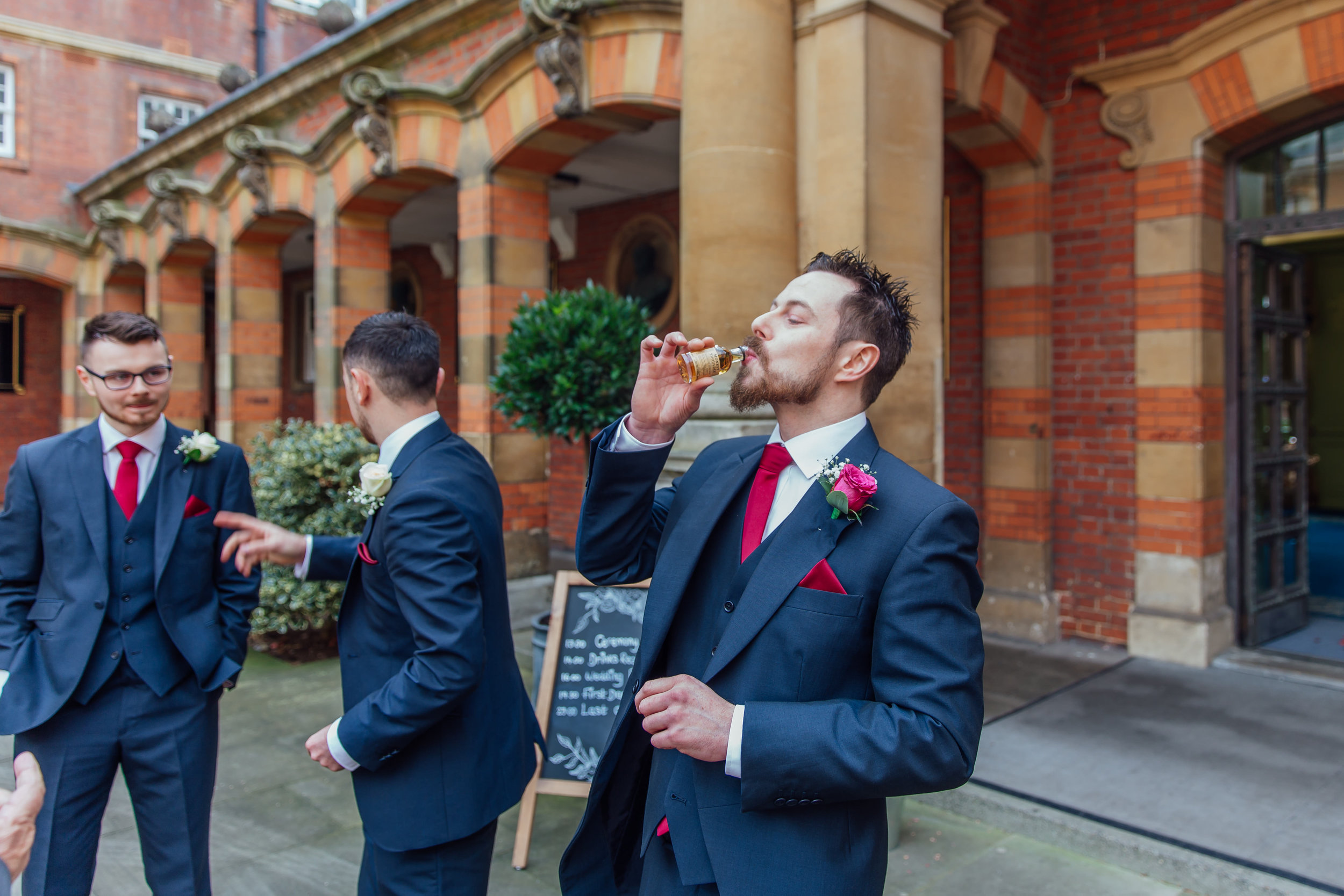 groom-getting-wedding-ready-wellington-college-berkshire / Amy-james-photography - Hampshire-wedding-photographer-hampshire
