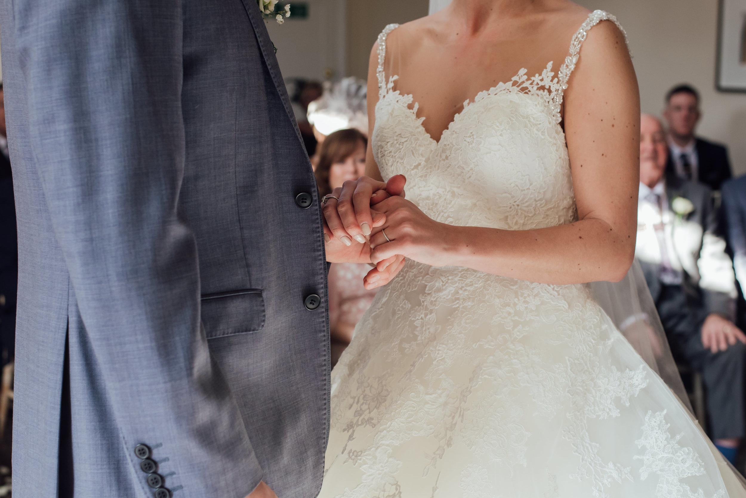 Sarah-Fishlock-Photography-Hampshire-wedding-photographer : fleet-wedding-photographer-fleet : warbrook-house-wedding-venue : warbrook-house-wedding-photographer