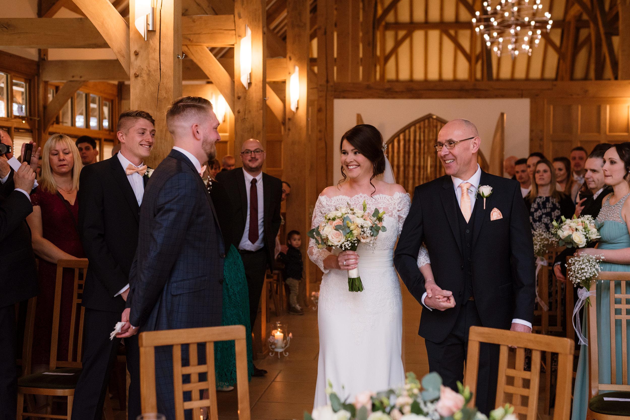 Sarah-Fishlock-Photography-Hampshire-wedding-photographer-hampshire / fleet-wedding-photographer-fleet / rivervale-barn-wedding-photographer / hampshire-barn-wedding-venue / hampshire-wedding-venue / barn-wedding-hampshire / rivervale-barn