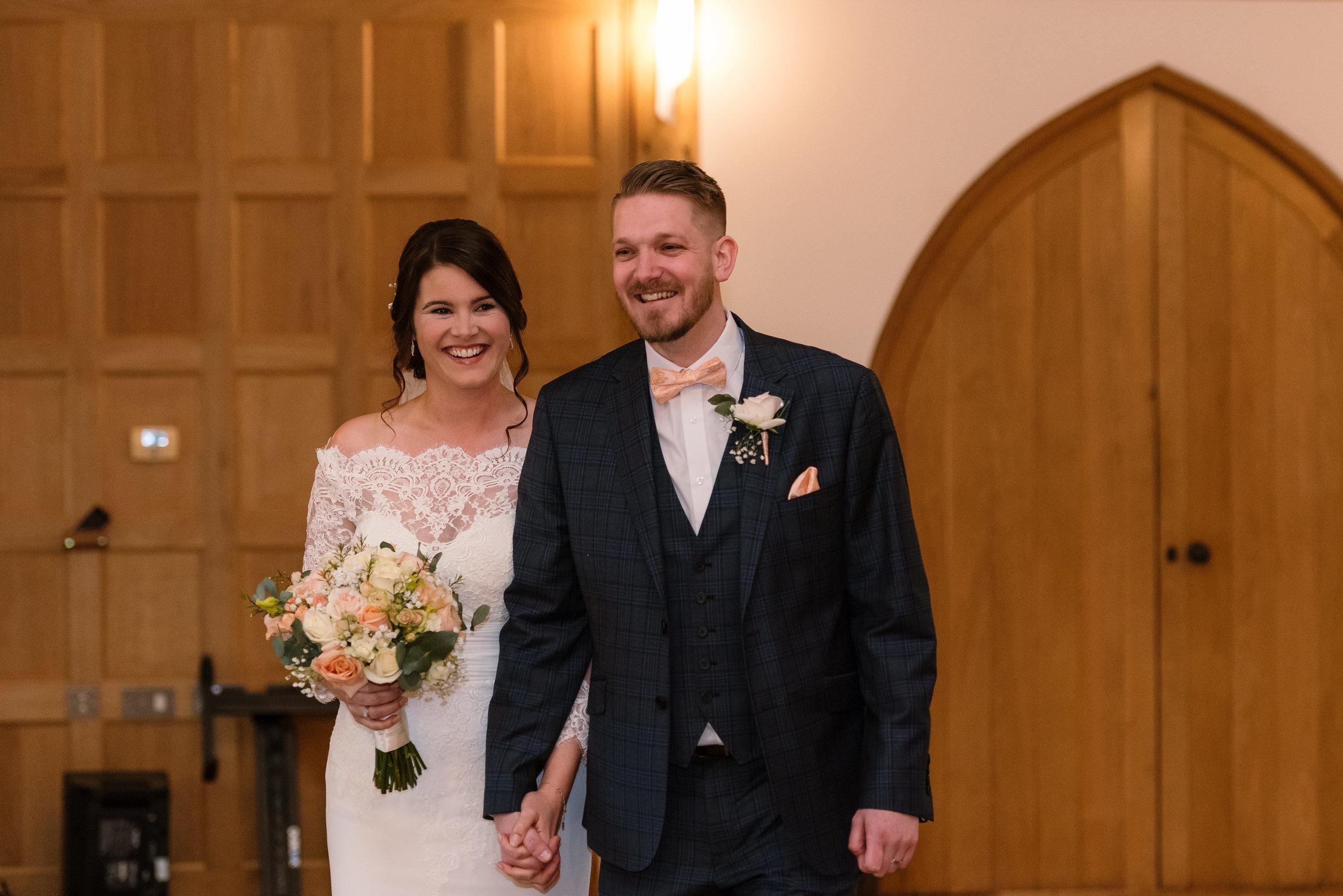 Sarah-Fishlock-Photography-Hampshire-wedding-photographer-hampshire / fleet-wedding-photographer-fleet / hampshire-wedding-venue / barn-wedding-hampshire / rivervale-barn / wedding-in-snow