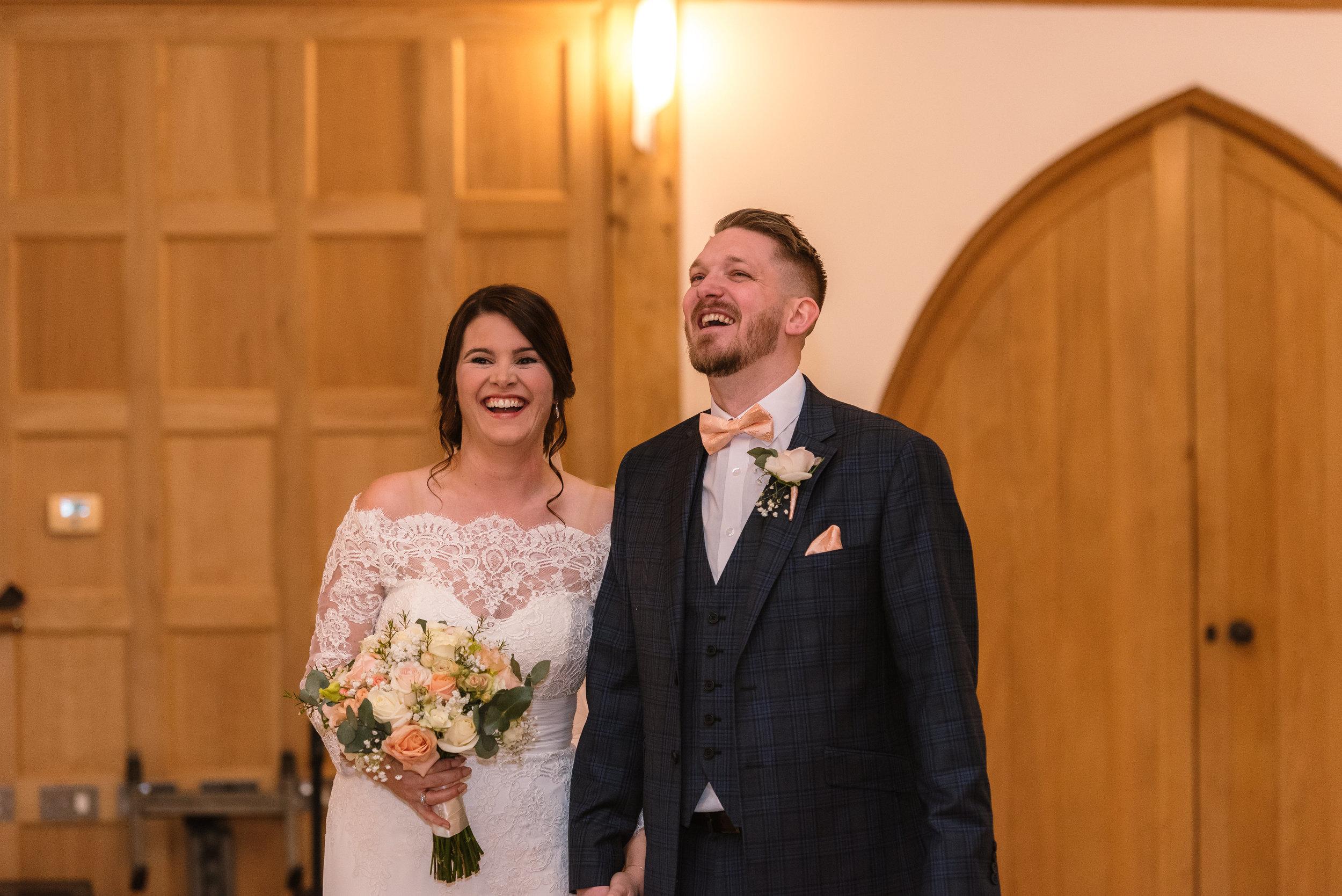 Sarah-Fishlock-Photography-Hampshire-wedding-photographer-hampshire / fleet-wedding-photographer-fleet /rivervale-barn / wedding-in-snow