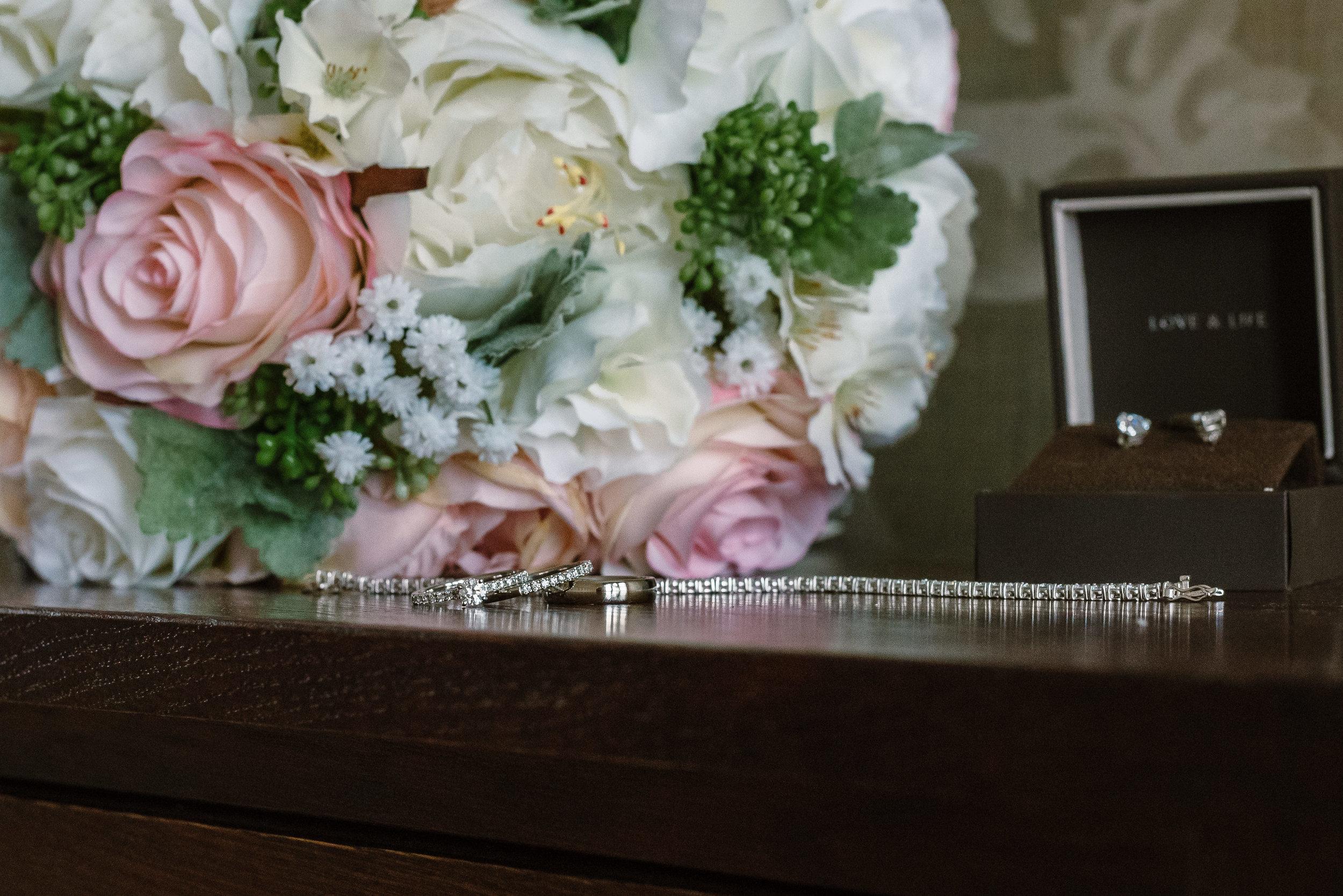 Sarah-Fishlock-Photography : Hampshire-wedding-photographer-hampshire : fleet-wedding-photographer-fleet : Northbrook-Park-Wedding-Photographer : Northbrook-Park-Wedding-Venue : natural-wedding-photographer-hampshire-11.jpg