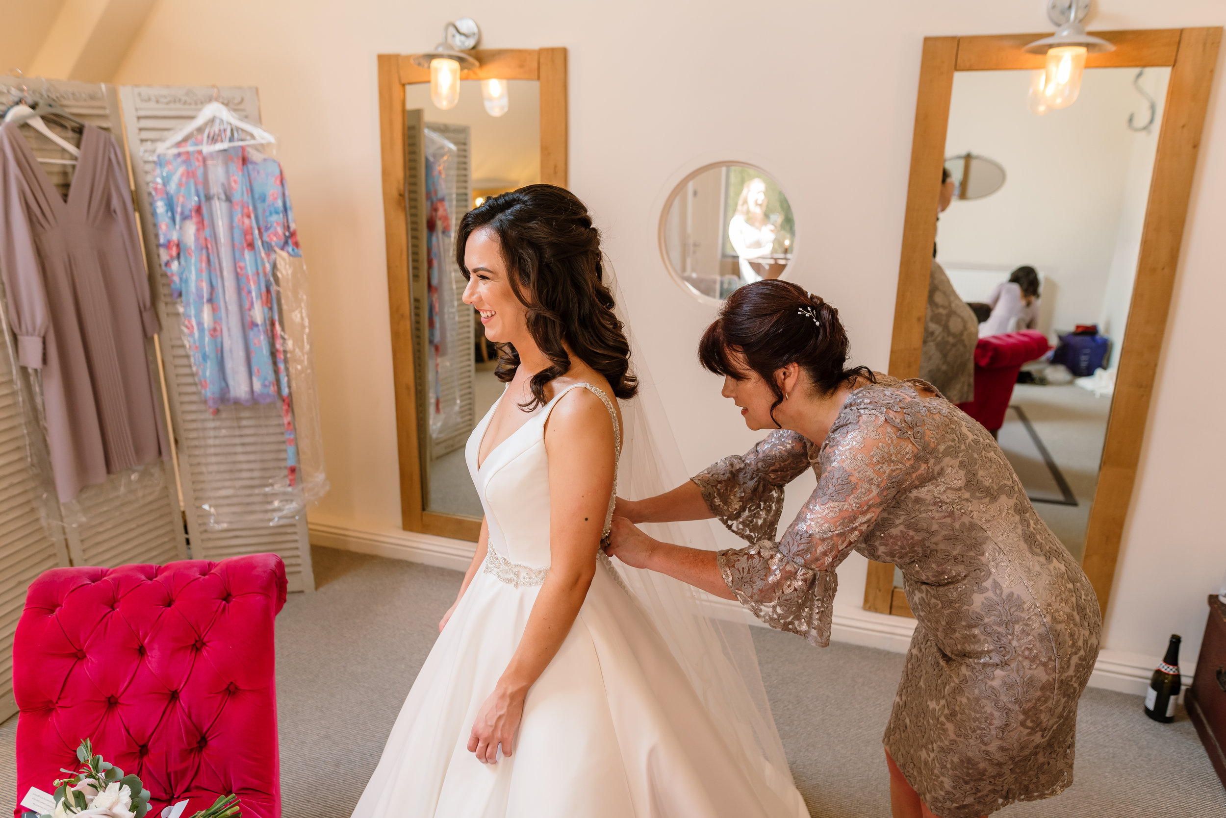 Sarah-Fishlock-Photography / Hampshire-wedding-photographer-hampshire / fleet-wedding-photographer-fleet / Millbridge-Court-Wedding-Photographer / Millbridge-Court-Wedding-