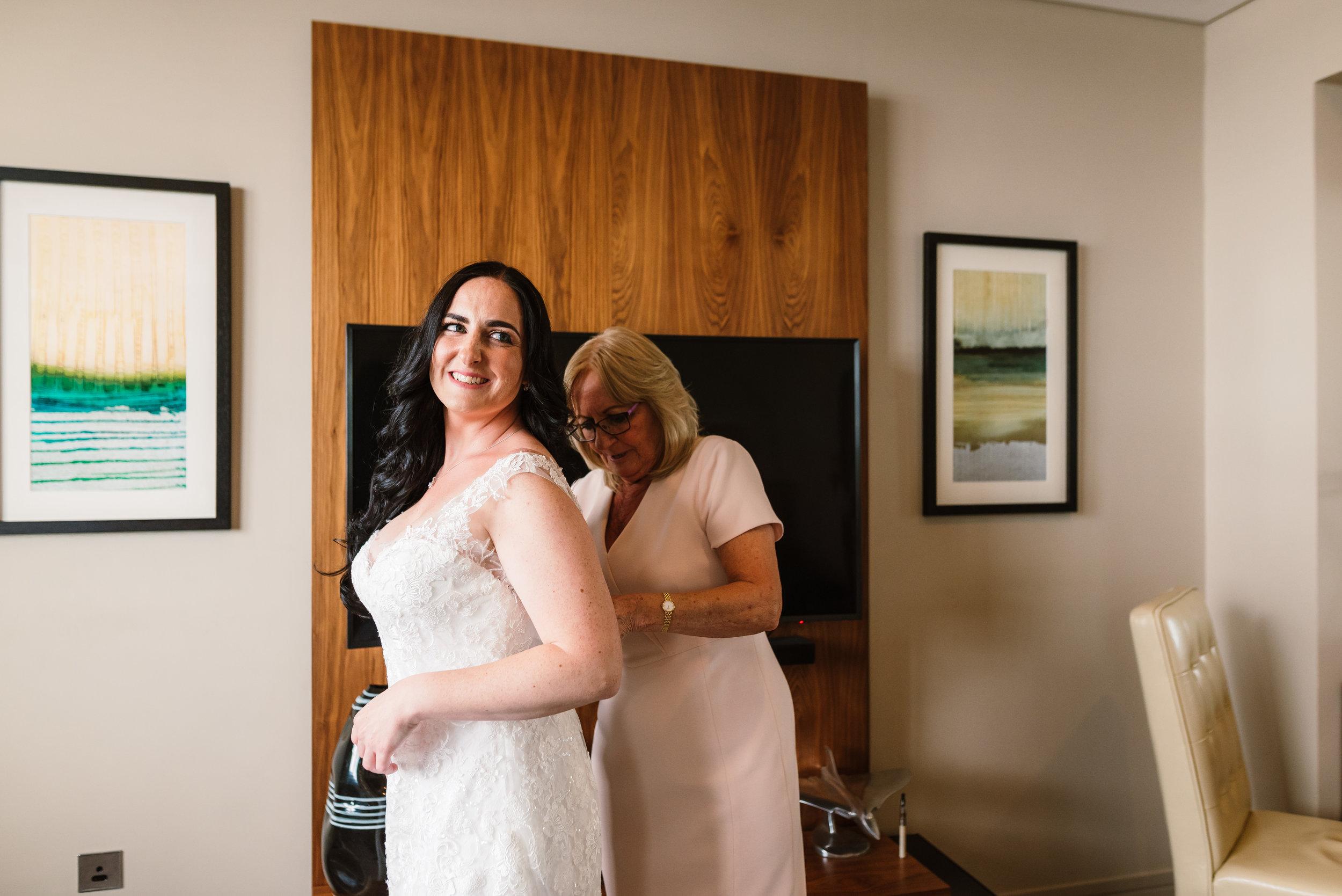 Sarah-Fishlock-Photography / Hampshire-wedding-photographer-Hamphire / Fleet-wedding-photographer-Fleet / Meade-Hall-Wedding-Venue / Meade-Hall-Wedding