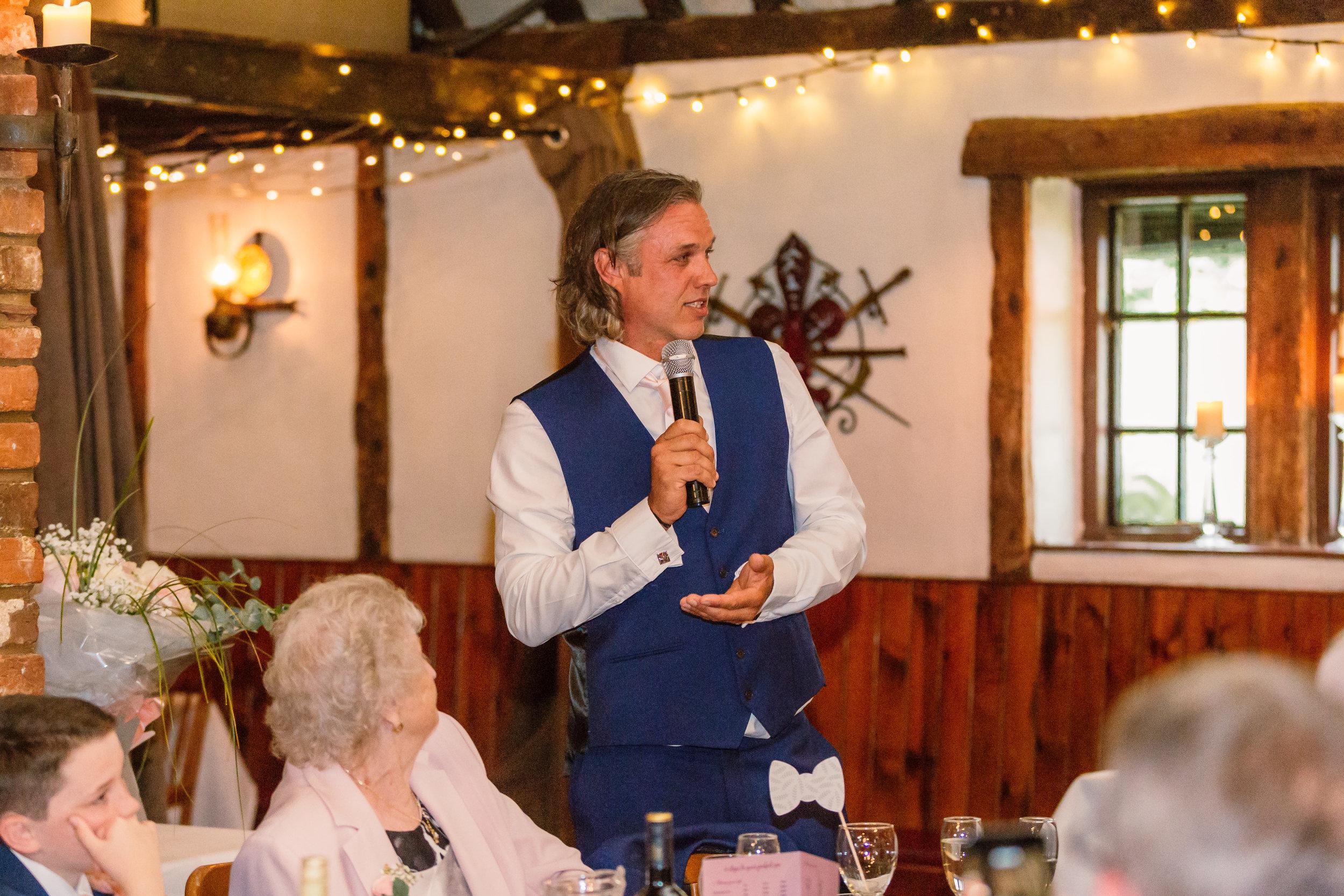 Sarah-Fishlock-Photography : Hampshire-wedding-photographer-hampshire : fleet-wedding-photographer-fleet : Meade-Hall-Wedding-Photographer : Meade-Hall-Wedding-Photos-914.jpg