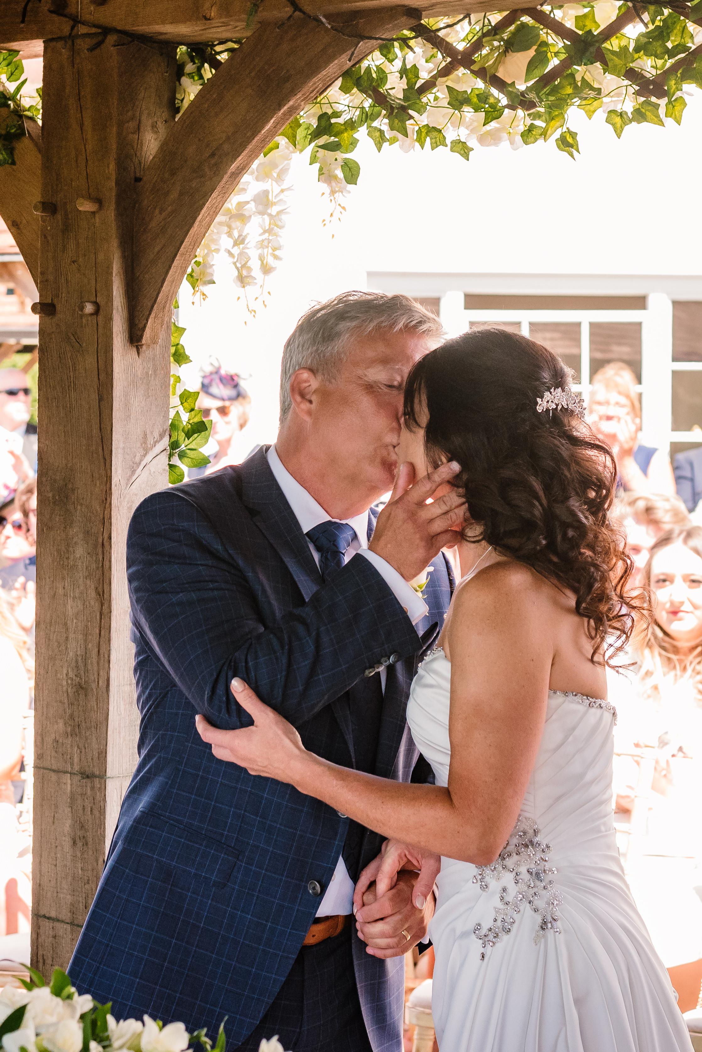 Sarah-Fishlock-Photography / Hampshire-wedding-photographer-Hampshire / Fleet-Wedding-Photographer / Groomed-Farm-Wedding-Hampshire / Farm-Wedding-Venues-Surrey / Farm-Wedding-Venues-Hampshire