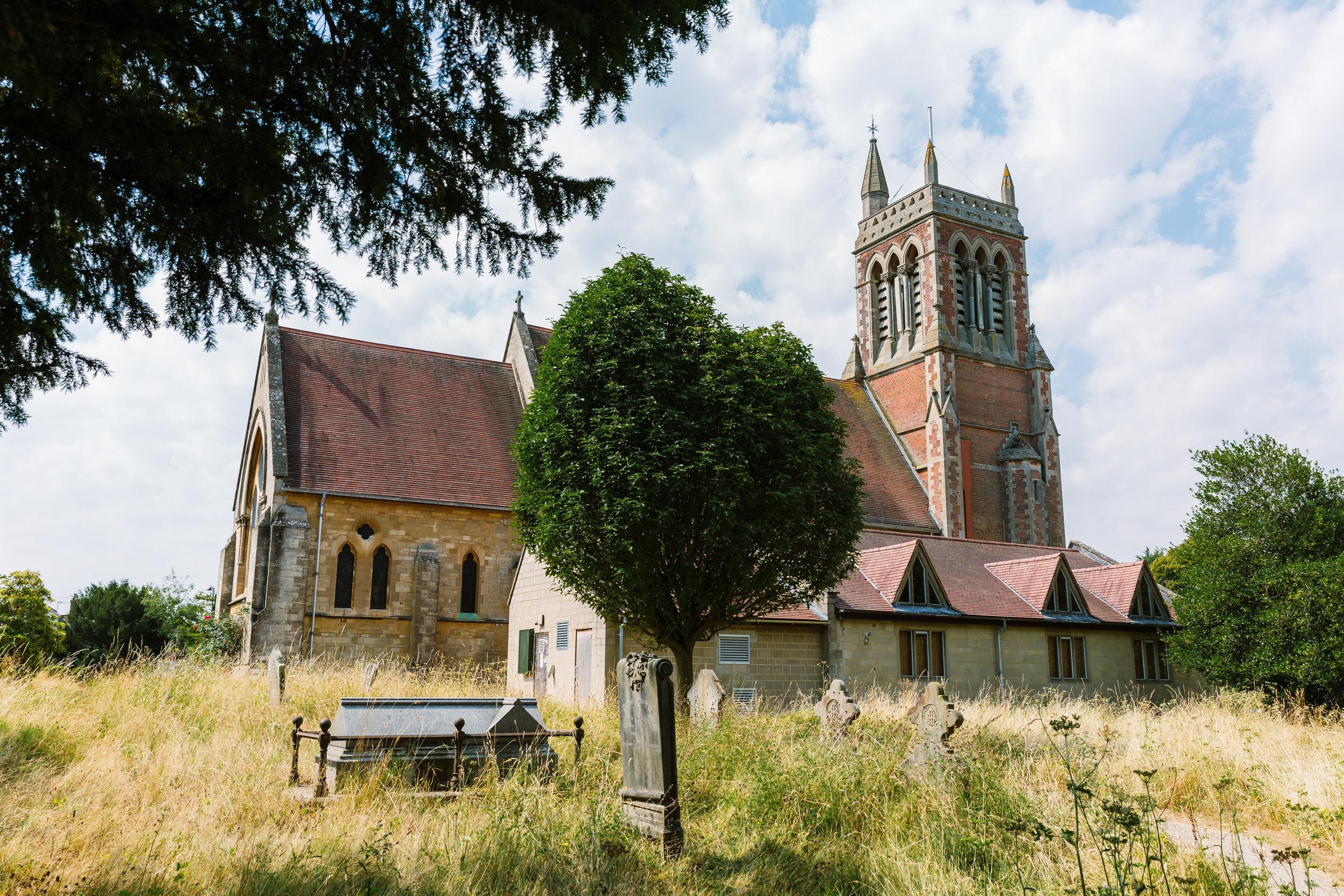 Hampshire Wedding Photographer Hampshire : Ufton Court Wedding : Barn wedding venue hampshire : Sarah fishlock photography : hampshire barn wedding