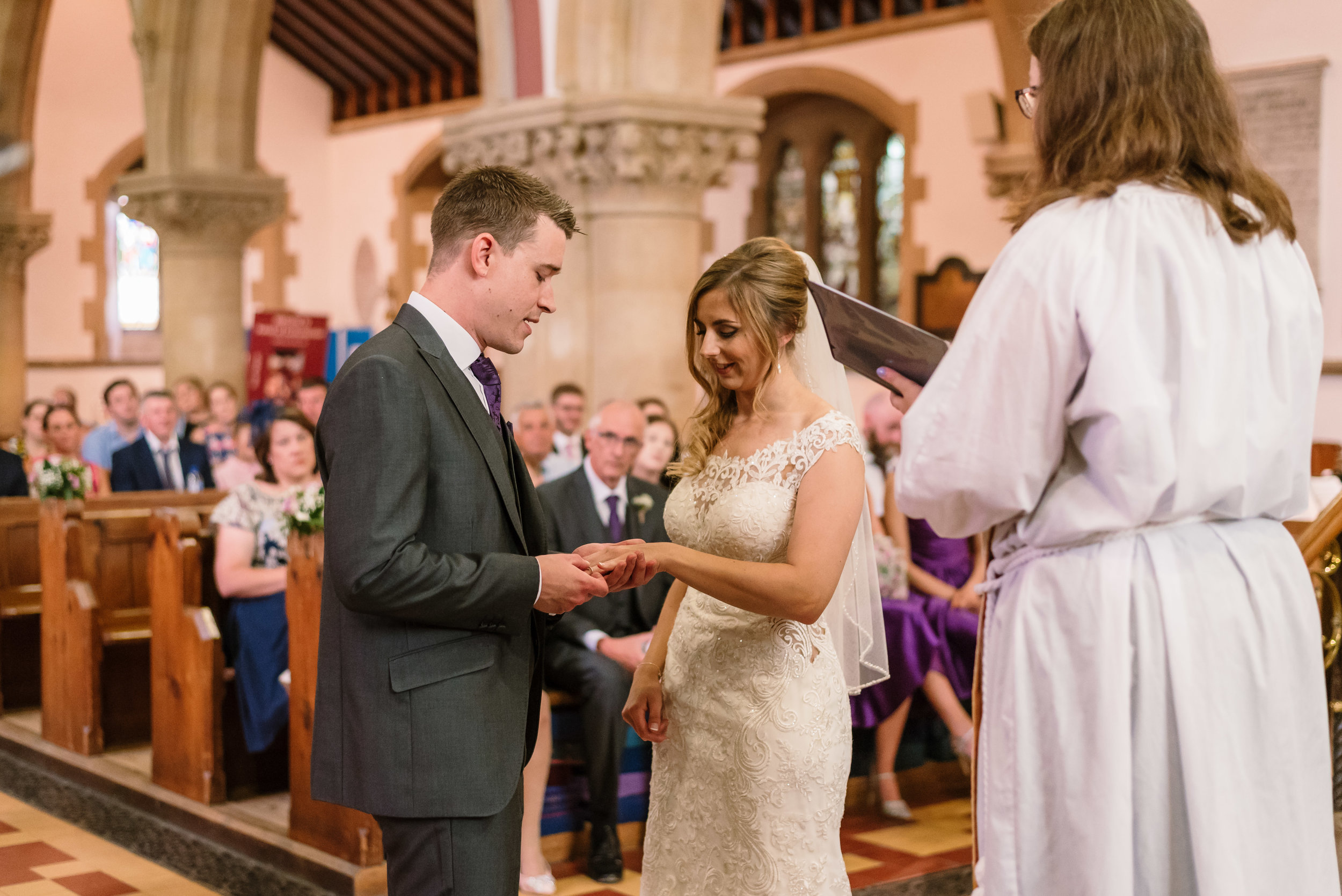 Hampshire Wedding Photographer Hampshire : Ufton-Court-Wedding : Barn-wedding-venue-hampshire : sarah-fishlock-photography : hampshire-barn-wedding-426.jpg