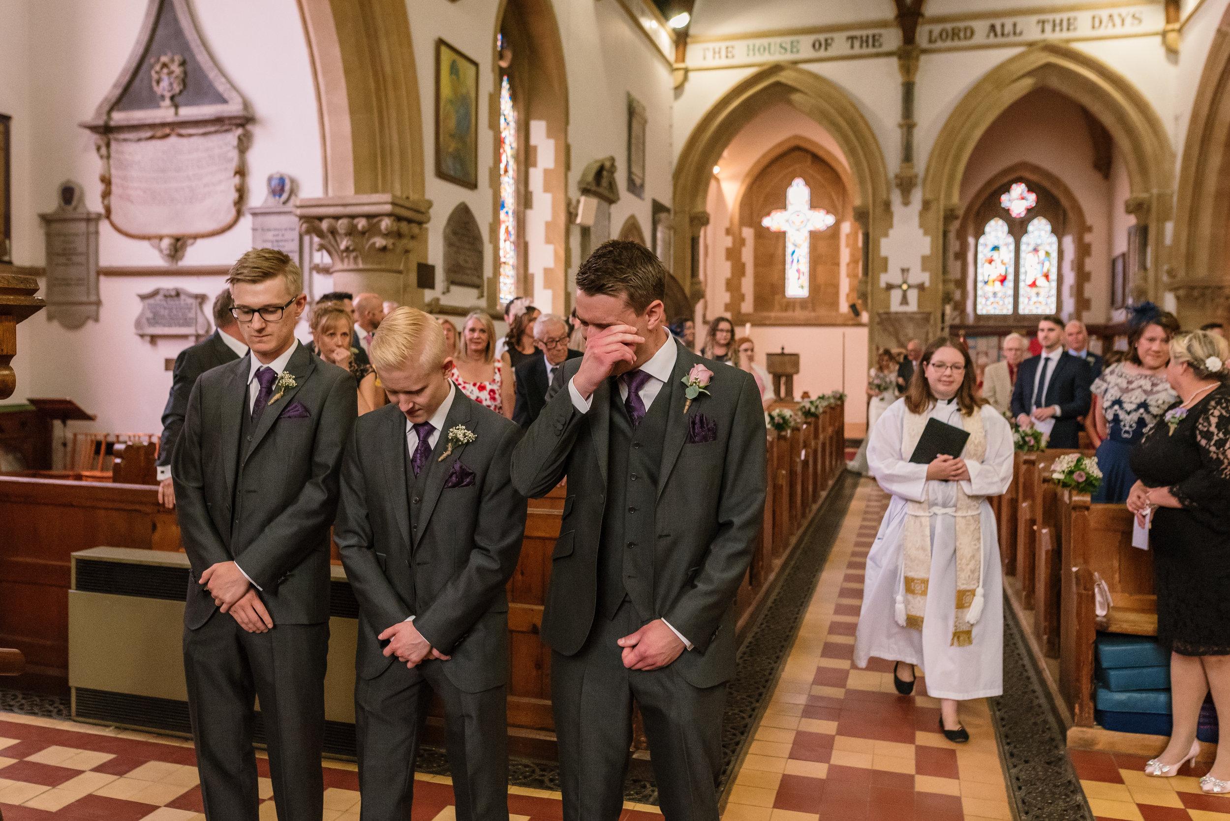Hampshire Wedding Photographer Hampshire : Ufton-Court-Wedding : Barn-wedding-venue-hampshire : sarah-fishlock-photography : hampshire-barn-wedding-368.jpg