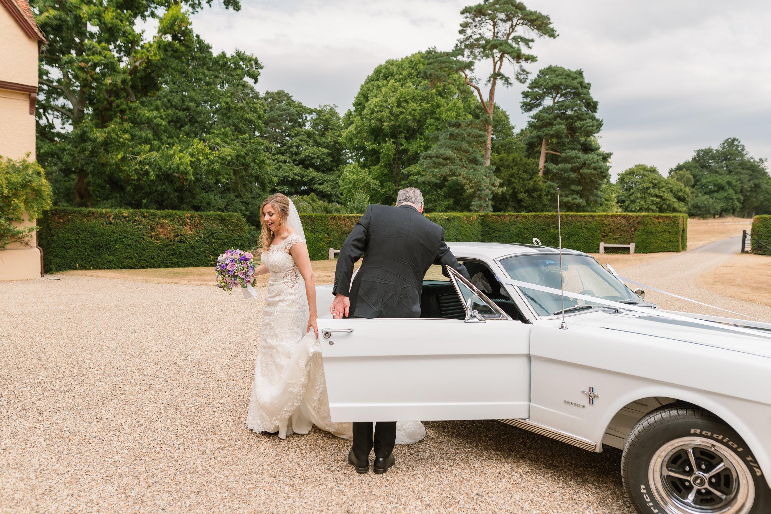 Hampshire Wedding Photographer Hampshire : Ufton-Court-Wedding : Barn-wedding-venue-hampshire : sarah-fishlock-photography : hampshire-barn-wedding-571.jpg