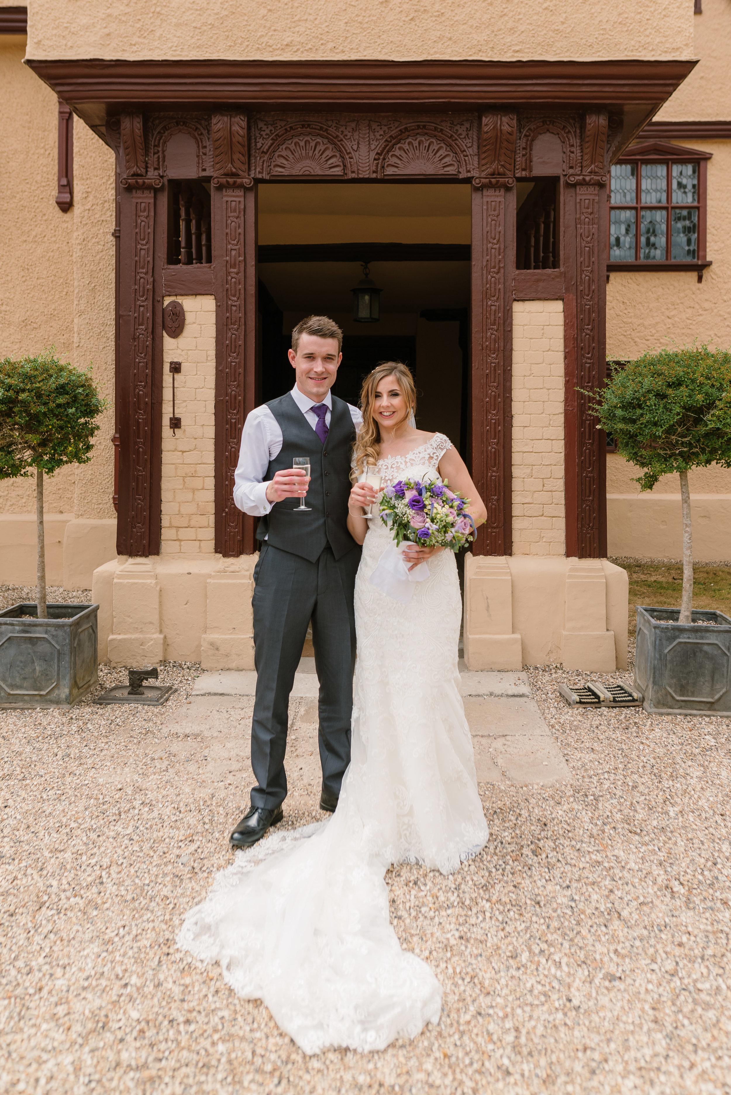 Hampshire Wedding Photographer Hampshire : Ufton-Court-Wedding : Barn-wedding-venue-hampshire : sarah-fishlock-photography : hampshire-barn-wedding-575.jpg