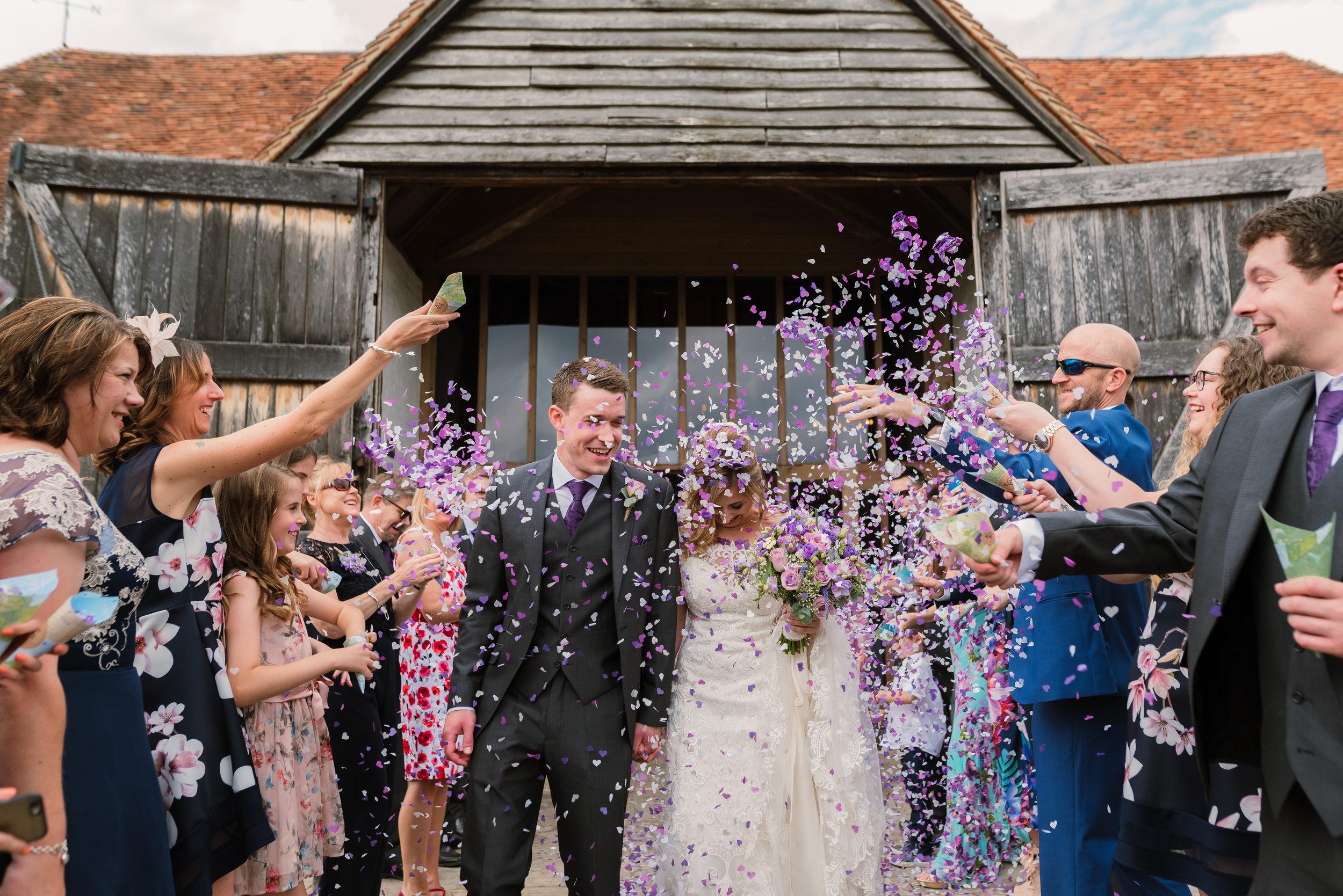 Hampshire Wedding Photographer Hampshire : Ufton-Court-Wedding : Barn-wedding-venue-hampshire : sarah-fishlock-photography : hampshire-barn-wedding-610.jpg