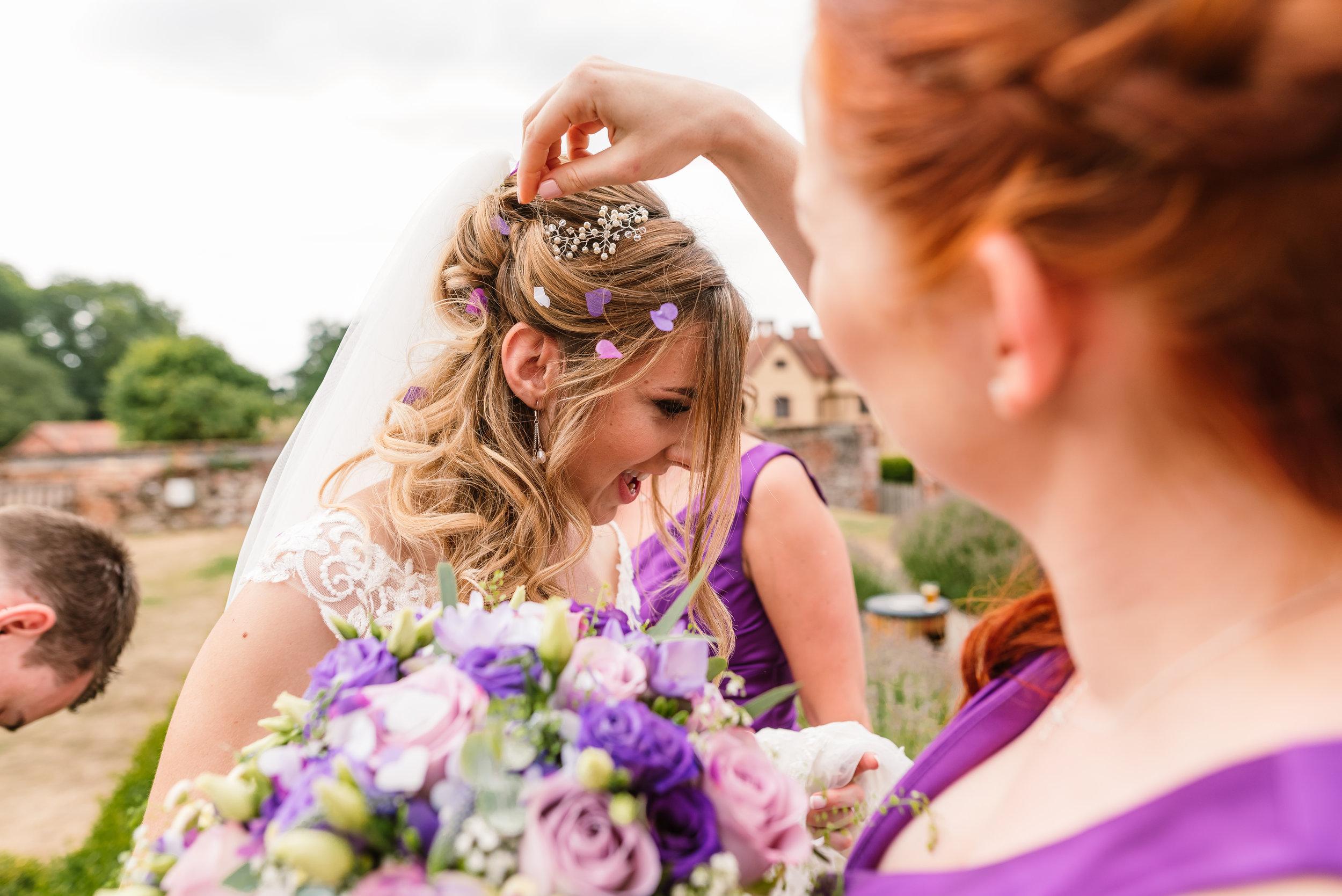 Hampshire Wedding Photographer Hampshire : Ufton-Court-Wedding : Barn-wedding-venue-hampshire : sarah-fishlock-photography : hampshire-barn-wedding-620.jpg