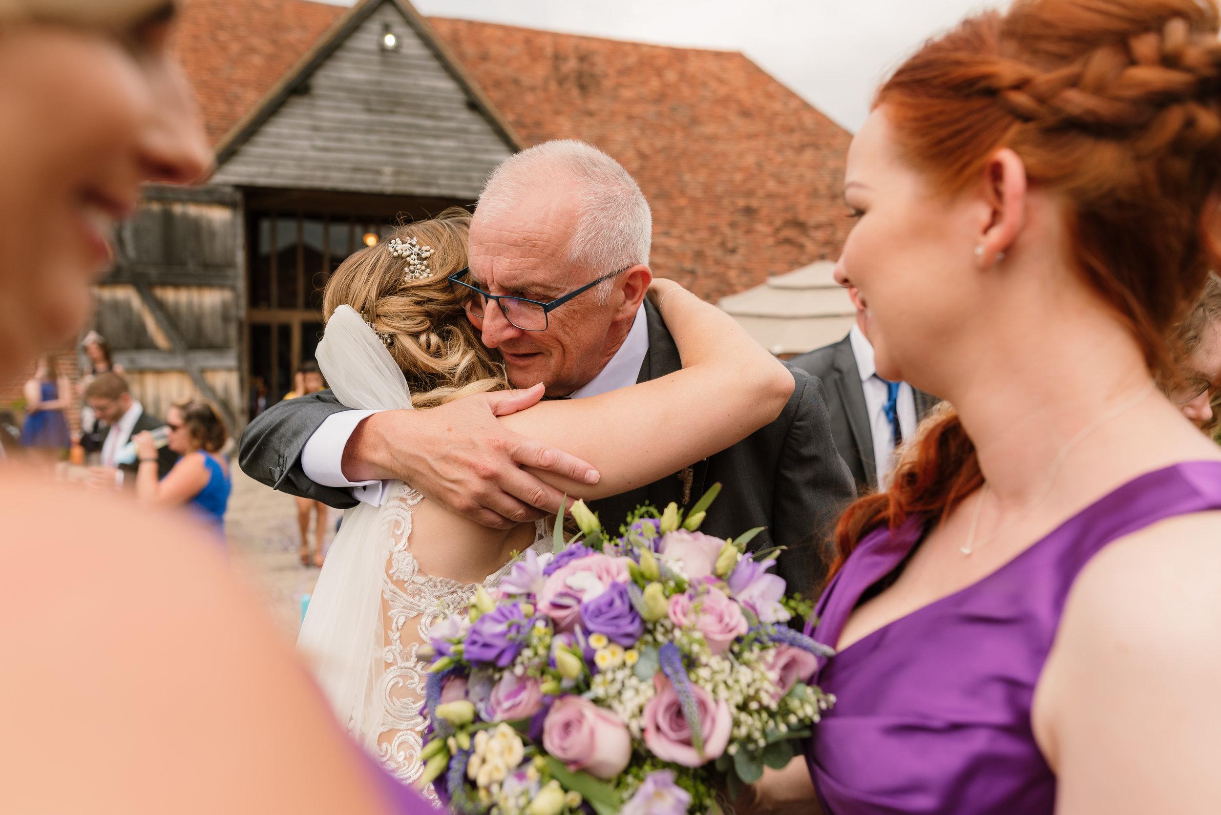 Hampshire Wedding Photographer Hampshire : Ufton-Court-Wedding : Barn-wedding-venue-hampshire : sarah-fishlock-photography : hampshire-barn-wedding-630.jpg