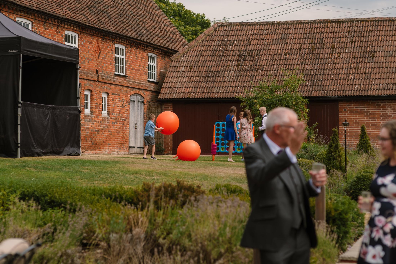 Hampshire+Wedding+Photographer+Hampshire+%3A+Ufton-Court-Wedding+%3A+Barn-wedding-venue-hampshire+%3A+sarah-fishlock-photography+%3A+hampshire-barn-wedding-784.jpg