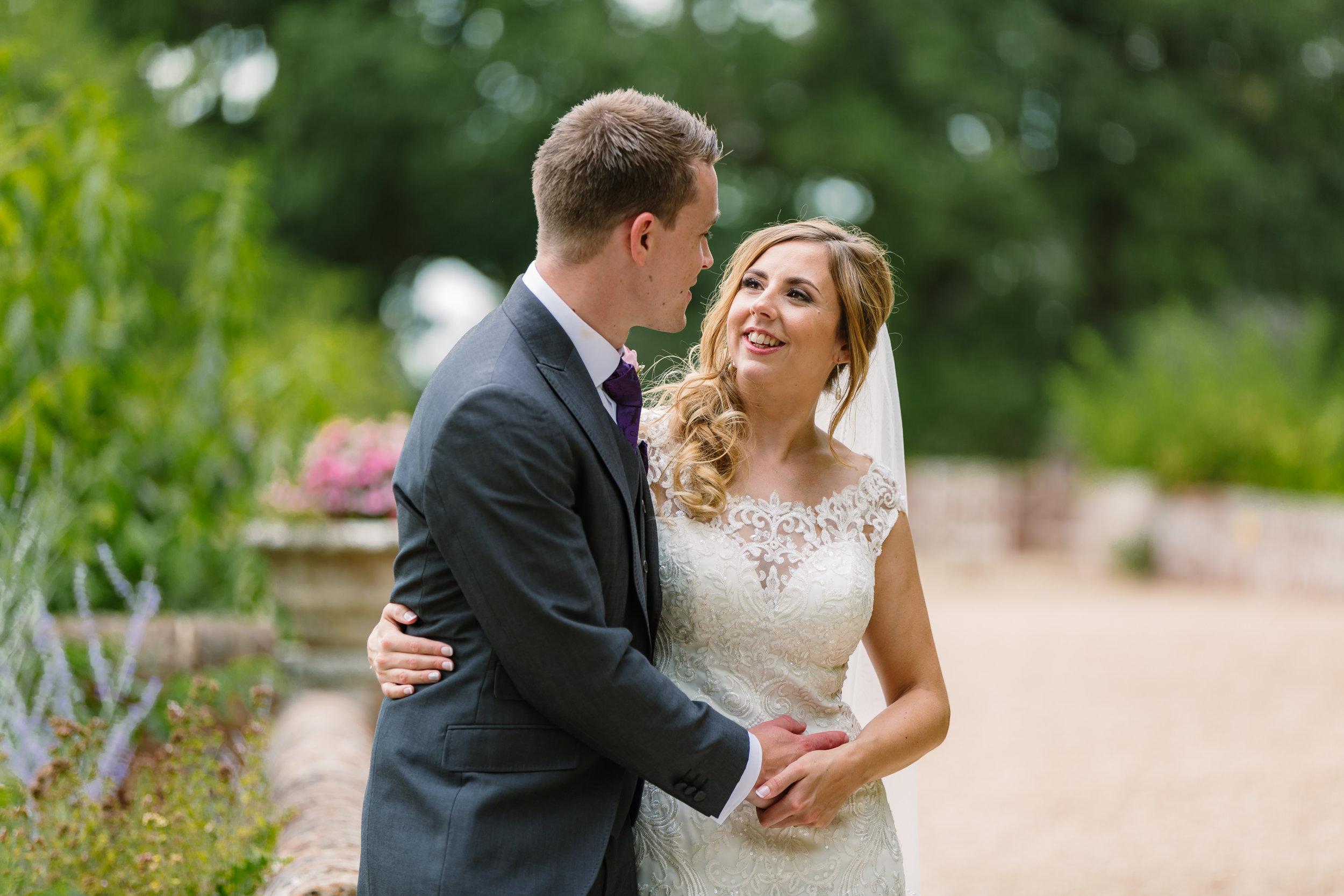 Hampshire Wedding Photographer Hampshire : Ufton-Court-Wedding : Barn-wedding-venue-hampshire : sarah-fishlock-photography : hampshire-barn-wedding-786.jpg