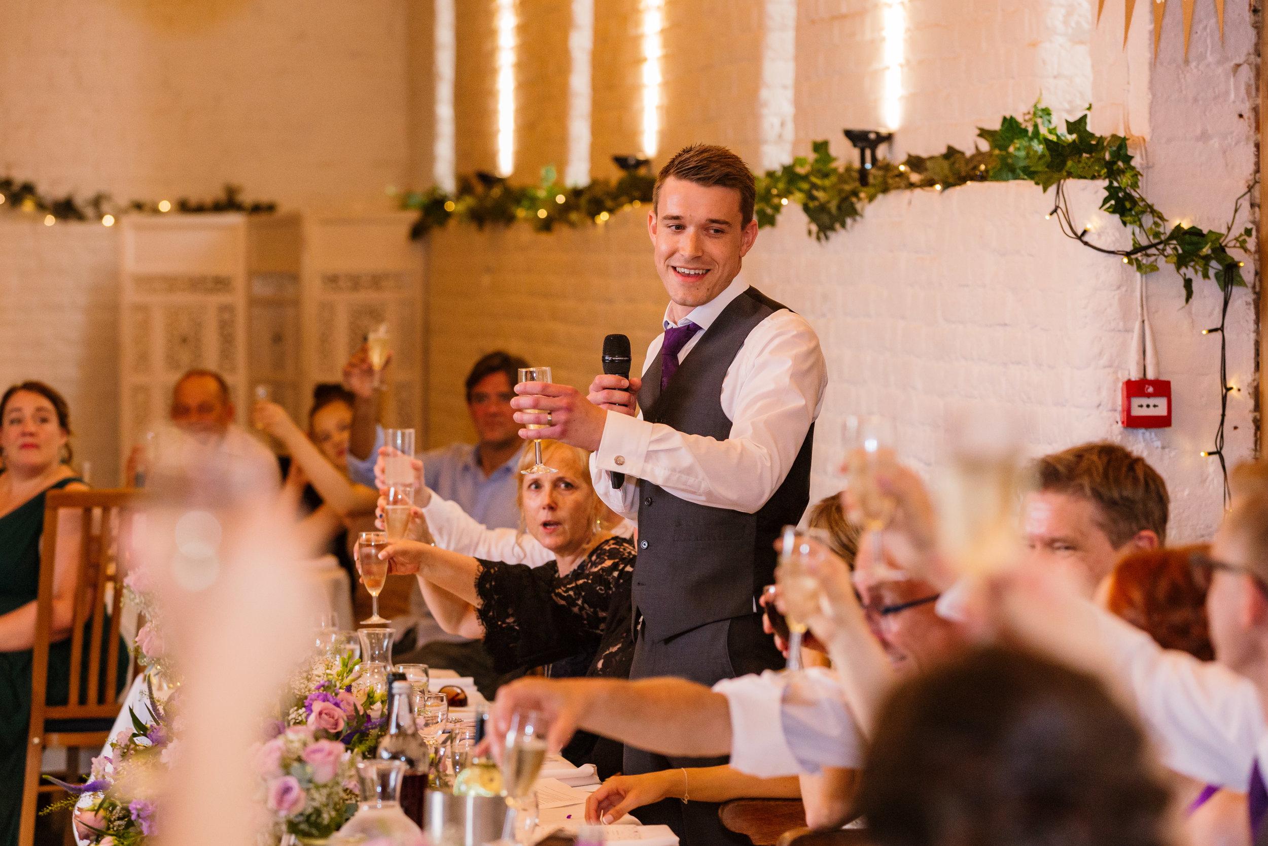 Hampshire Wedding Photographer Hampshire : Ufton-Court-Wedding : Barn-wedding-venue-hampshire : sarah-fishlock-photography : hampshire-barn-wedding-857.jpg