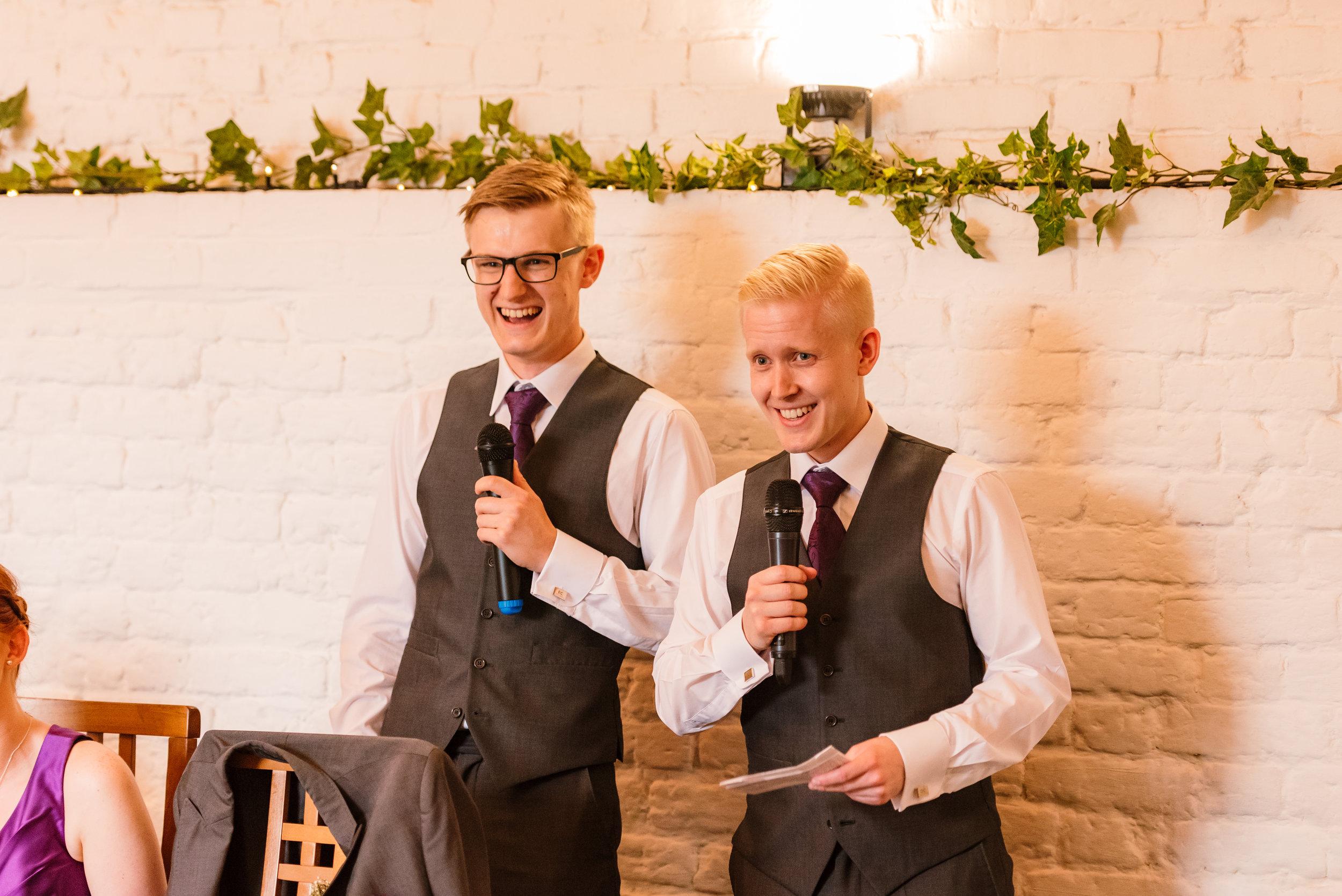 Hampshire Wedding Photographer Hampshire : Ufton-Court-Wedding : Barn-wedding-venue-hampshire : sarah-fishlock-photography : hampshire-barn-wedding-887.jpg