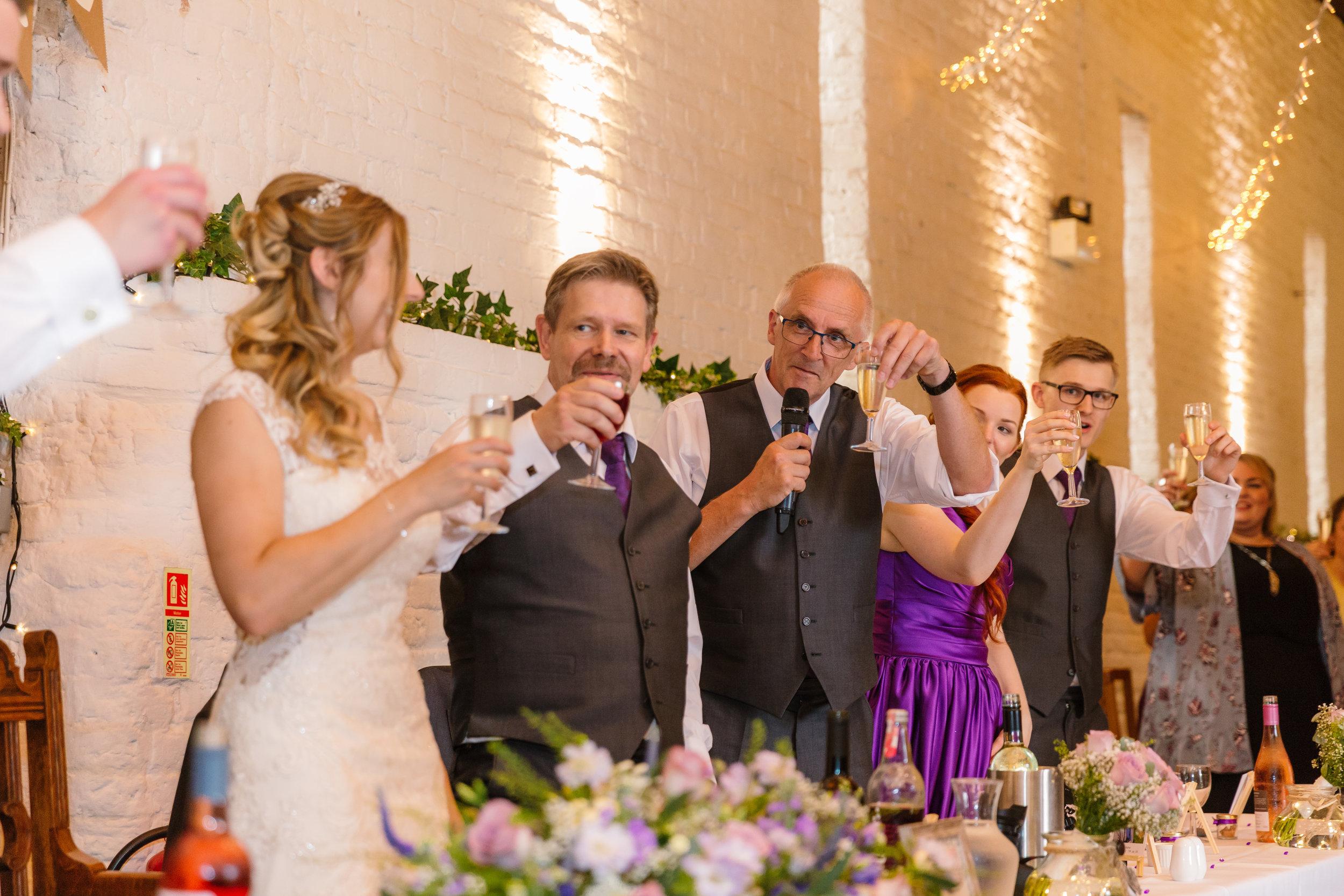 Hampshire Wedding Photographer Hampshire : Ufton-Court-Wedding : Barn-wedding-venue-hampshire : sarah-fishlock-photography : hampshire-barn-wedding-815.jpg