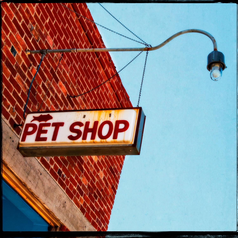 Hopkins Pet Shop