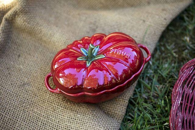 You say tomato, we say STAUB tomato! Grab the last one before someone else does! #thechefsshop #tomatostaub #tomatococotte #staubceramics @staub_usa