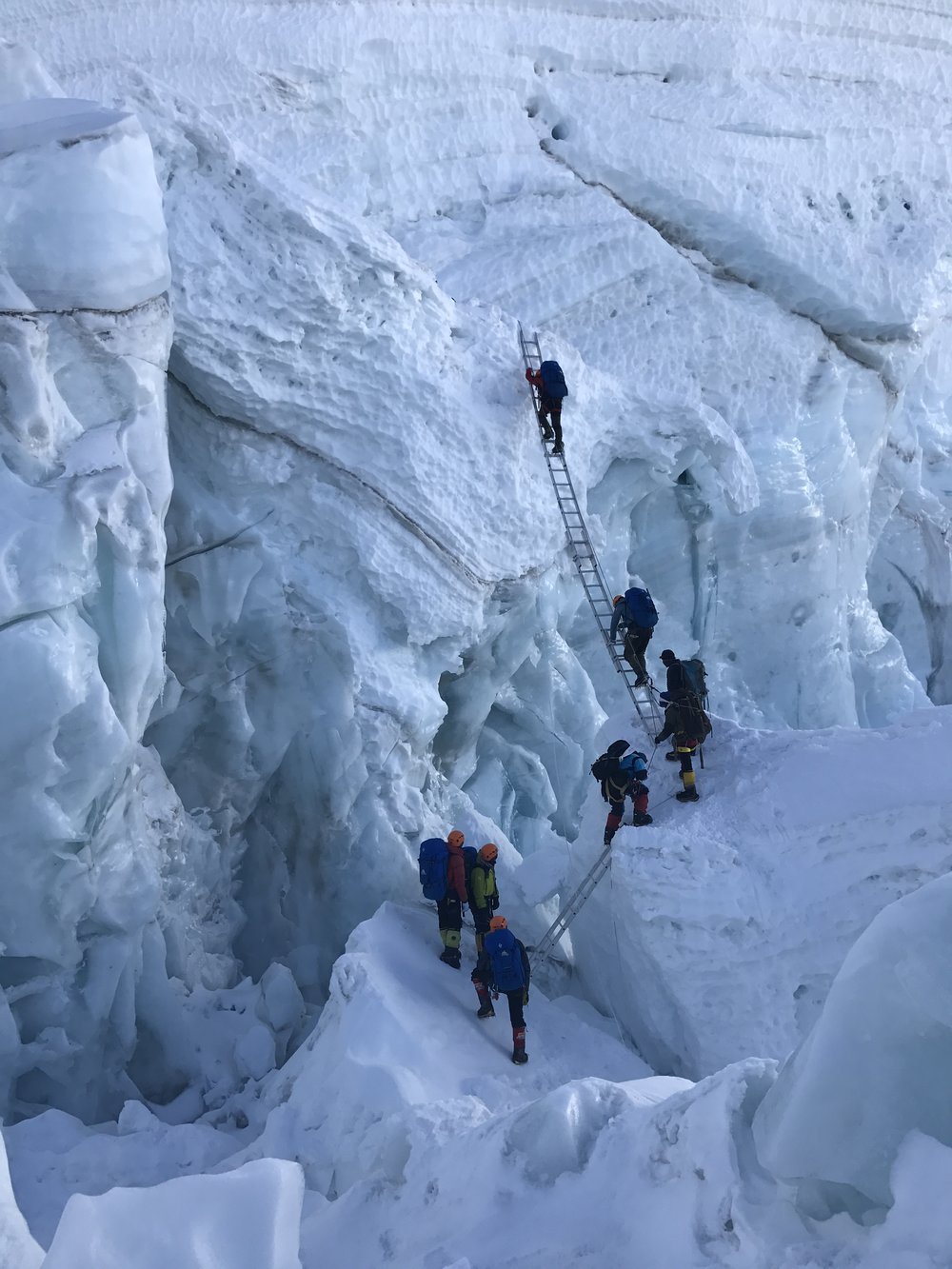 New obstacle in the Khumbu Icefall