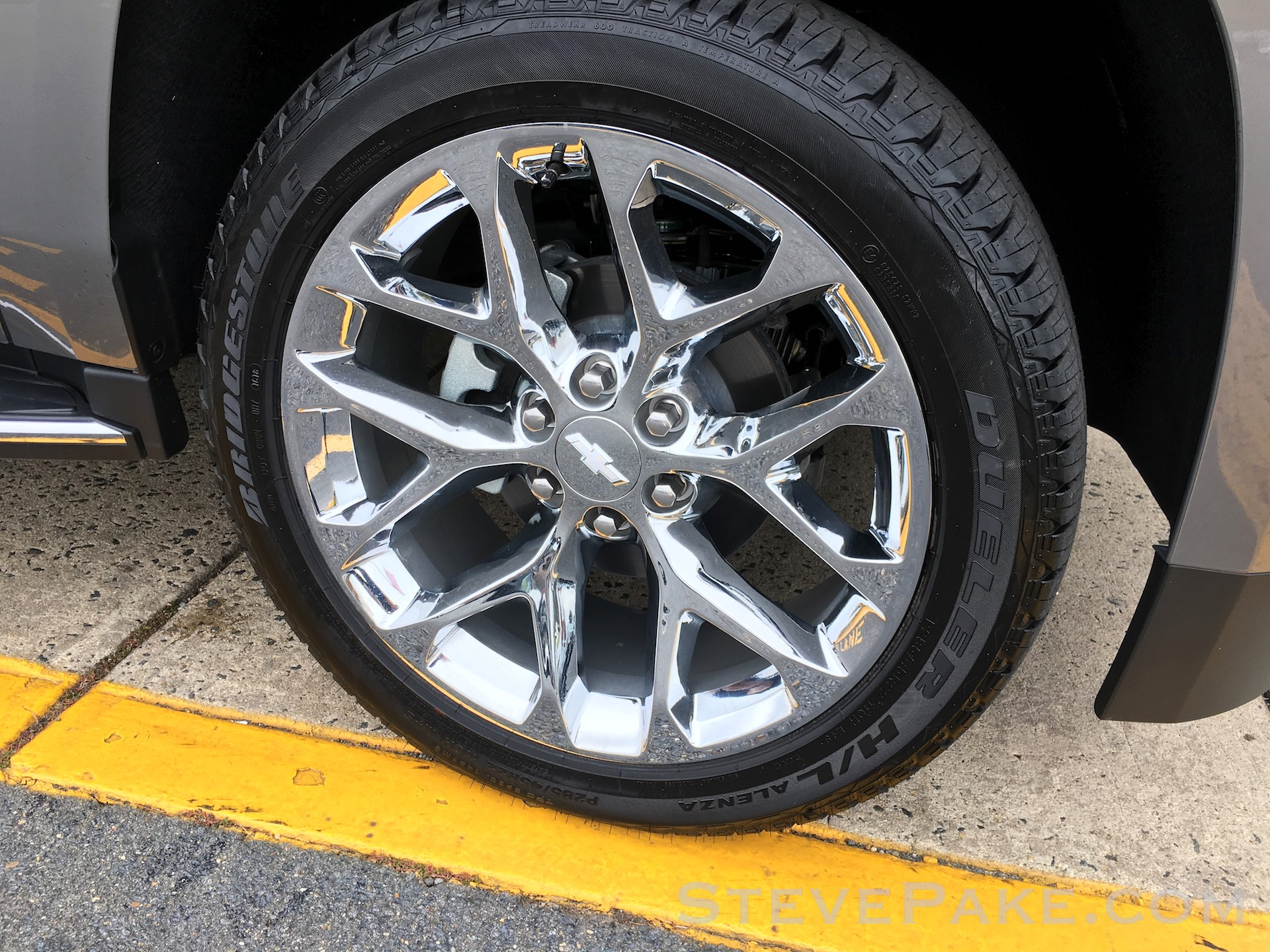 """Beware of potential noise and cabin vibration issues especially with the 22"""" wheels, but mostly has to do with the tires. Be sure to thoroughly test drive including up to highway speeds to check."""