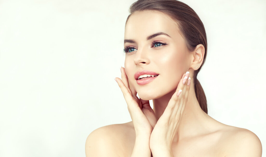 BESPOKE DERMAPLANING AND SKIN PEEL PACKAGES - Dermaplaning gently removes the top layer of dead skin cells, giving your complexion a fresh 'air-brushed' glow. Whatever your skincare goals, we can tailor a bespoke dermaplaning package to suit your individual needs.
