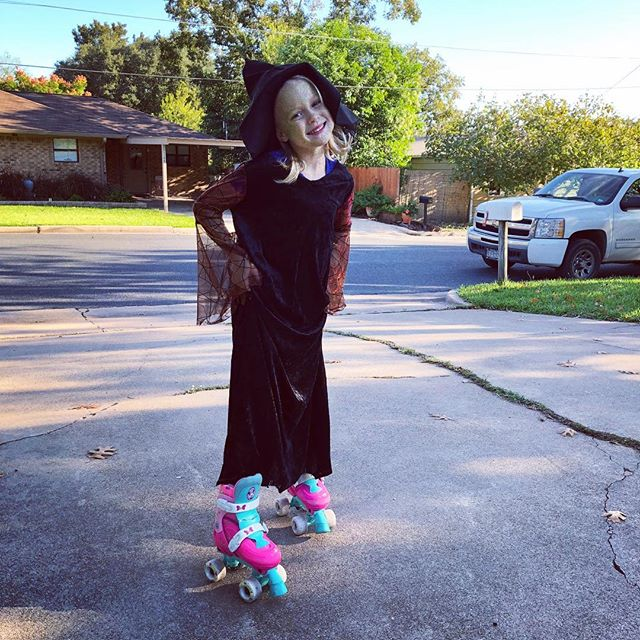Witches roller skate! Happy Halloween 🎃