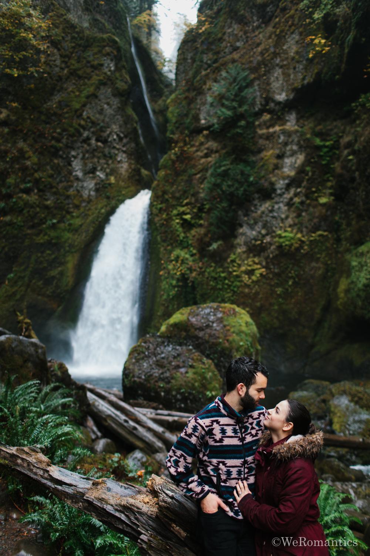 Weromantics_Exploring-Oregon_David-Chelsea-Ducane_Wahclella_Falls