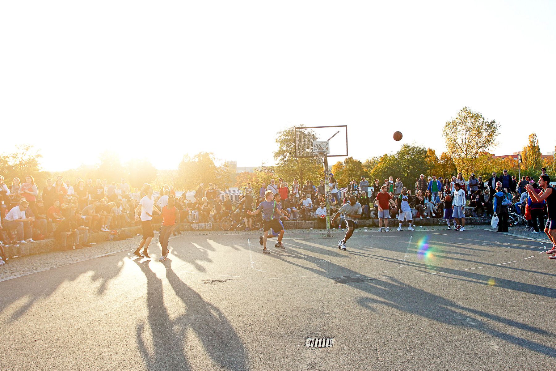 basketball, lifestayle, berlin, summer, sun, mauerpark christoph neumann