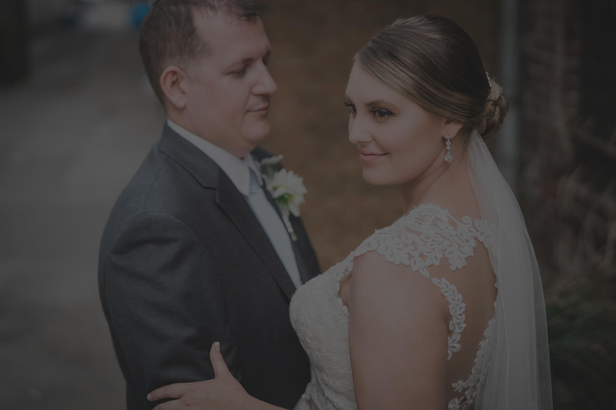 Real Wedding Album - Take a look at a one of our full wedding Day albums