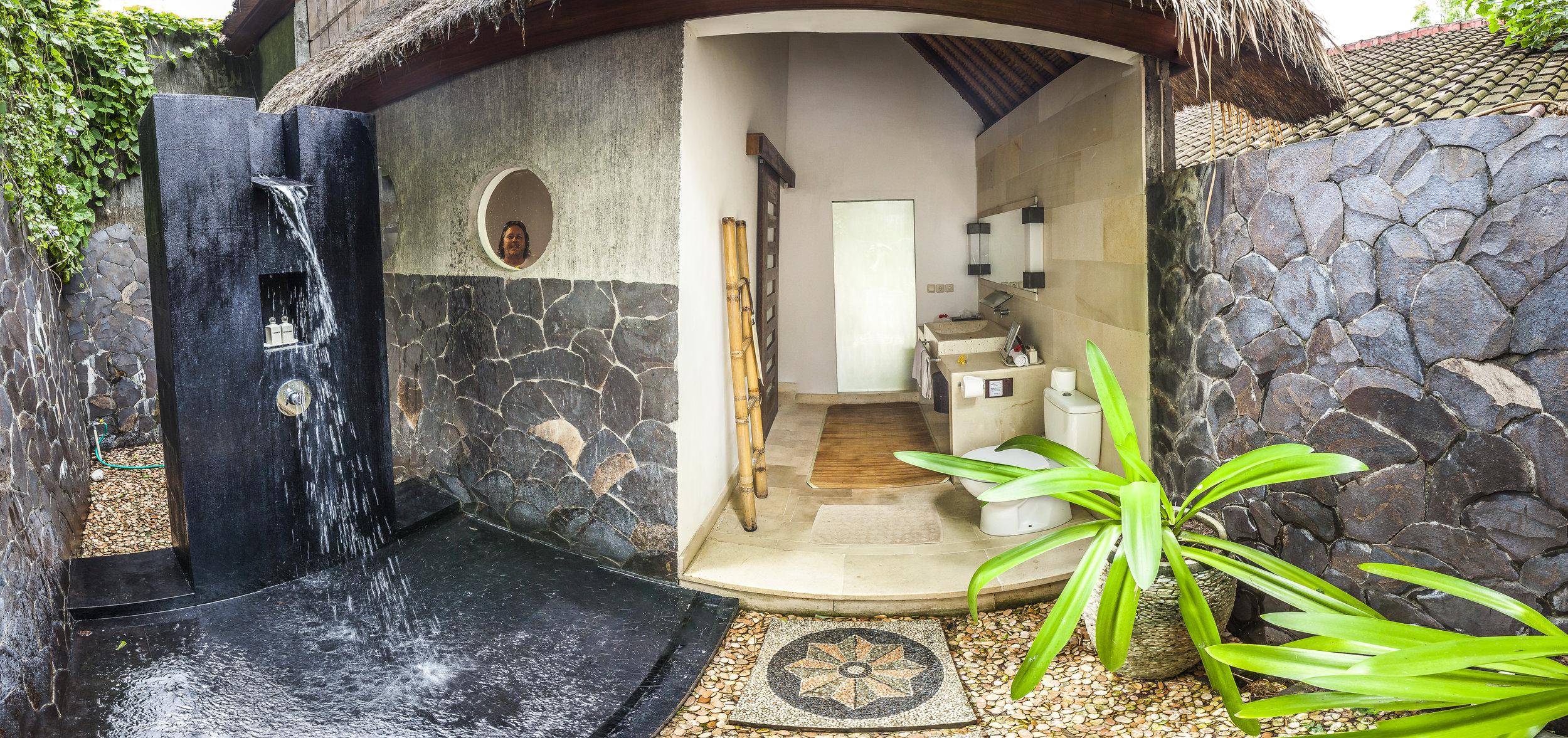 alamBatu_villa_anton_shower.jpg