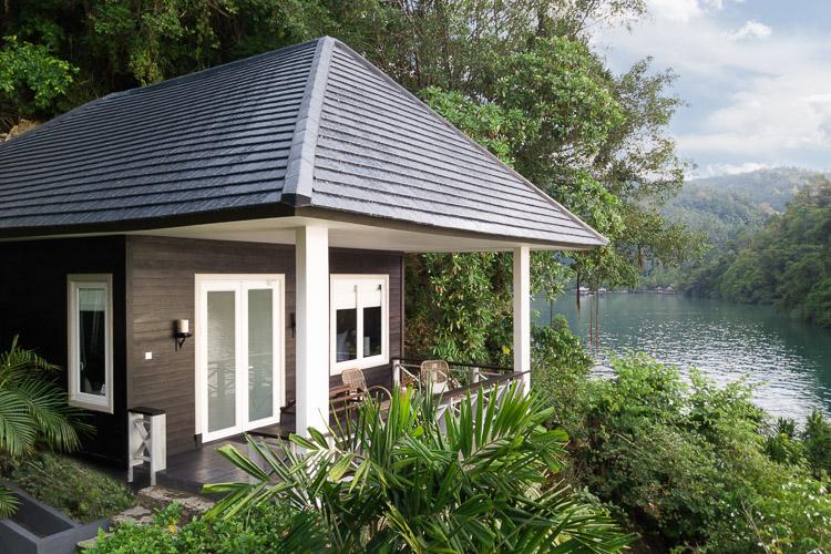 Lembeh-Resort-Luxury-Cottage.jpg