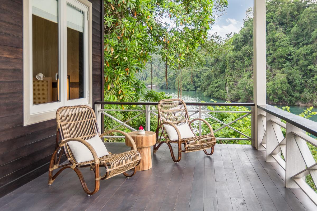 Luxury cottages, porch.jpg